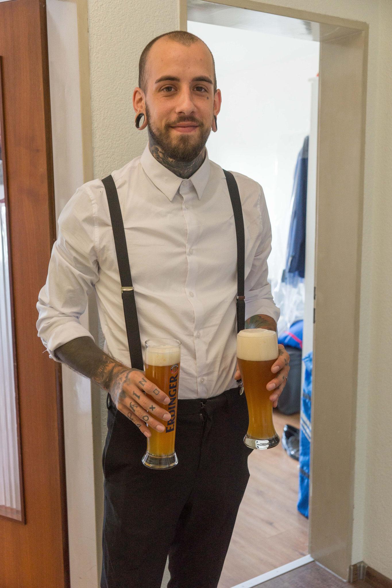 Komm lass und mal etwas gscheits trinken