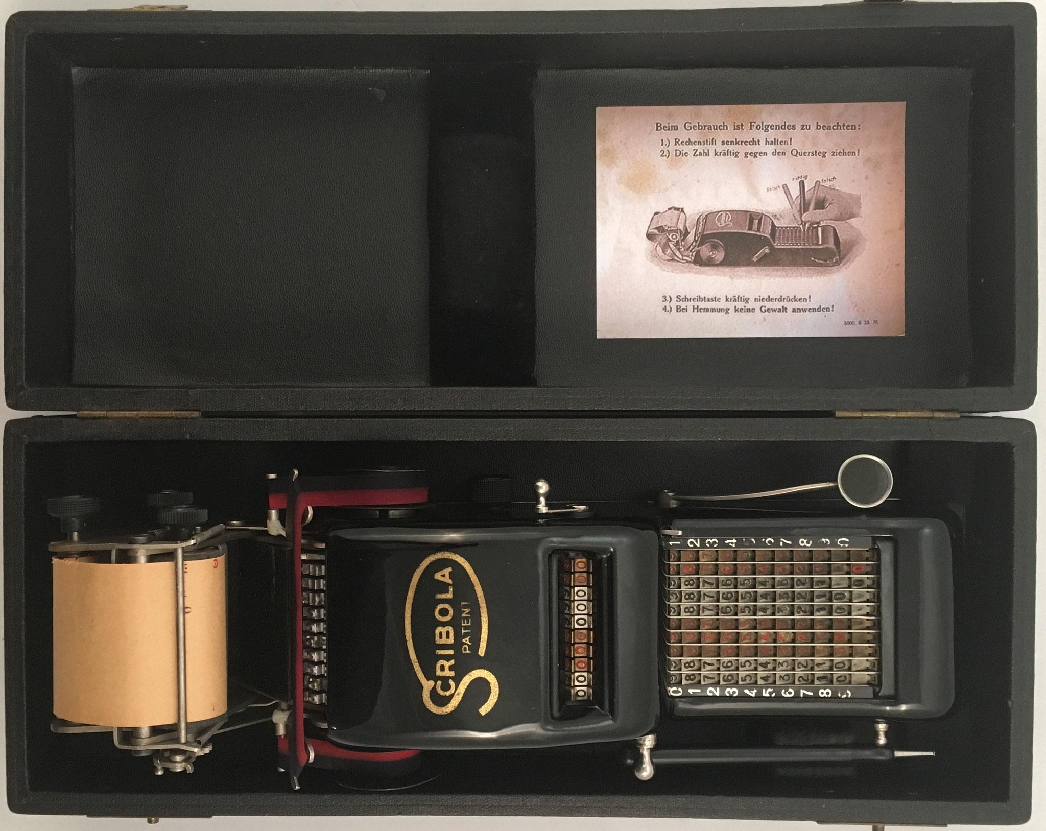 SCRIBOLA con mecanismo de impresión, s/n 5386, fabricado por Ruthardt & Co (Stuttgard, Alemania), año 1922, 31x11x7 cm