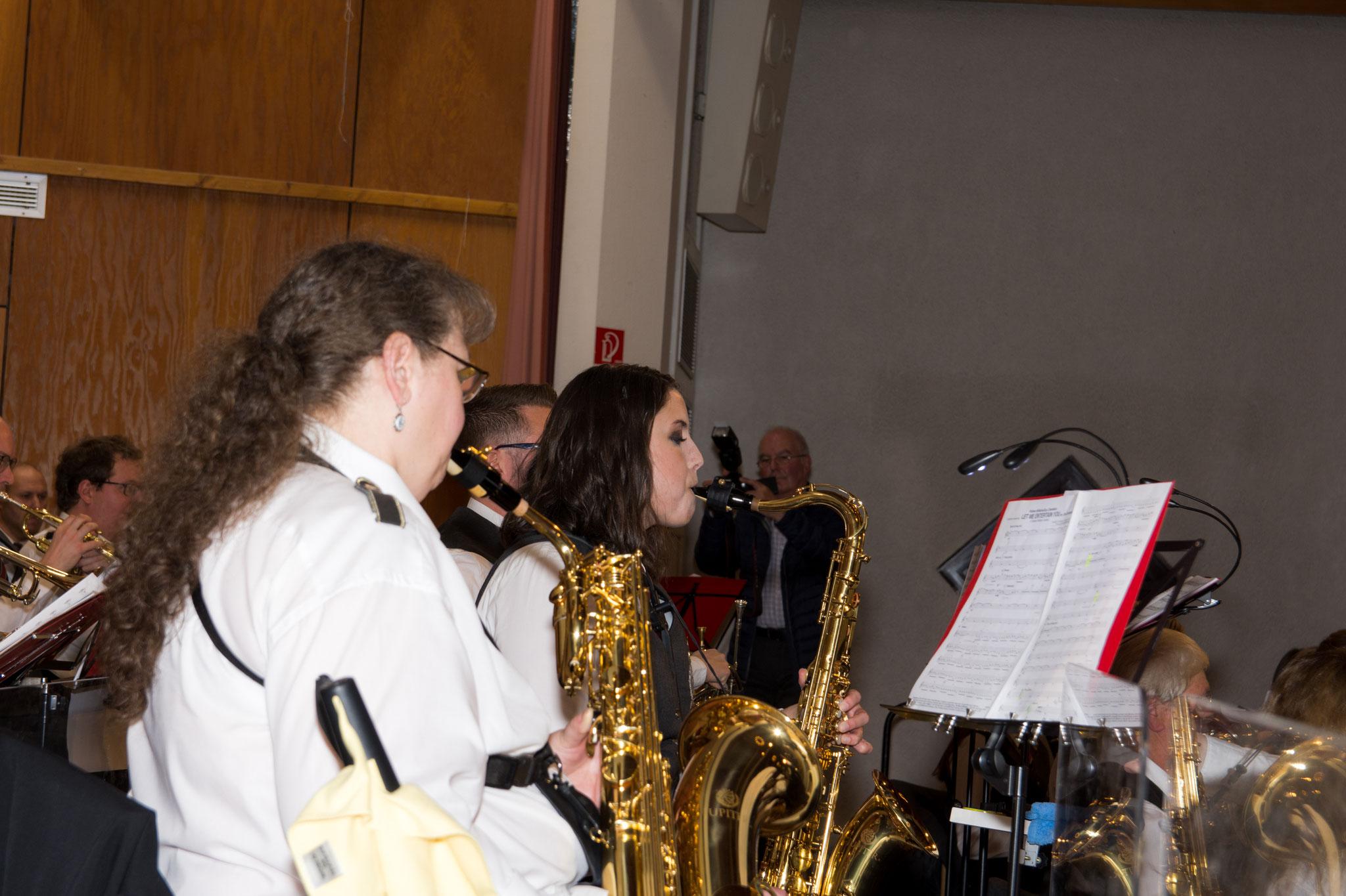 Auch unser Tenorsaxophon trug tatkräftig zu dem gelungen Konzertabend bei.