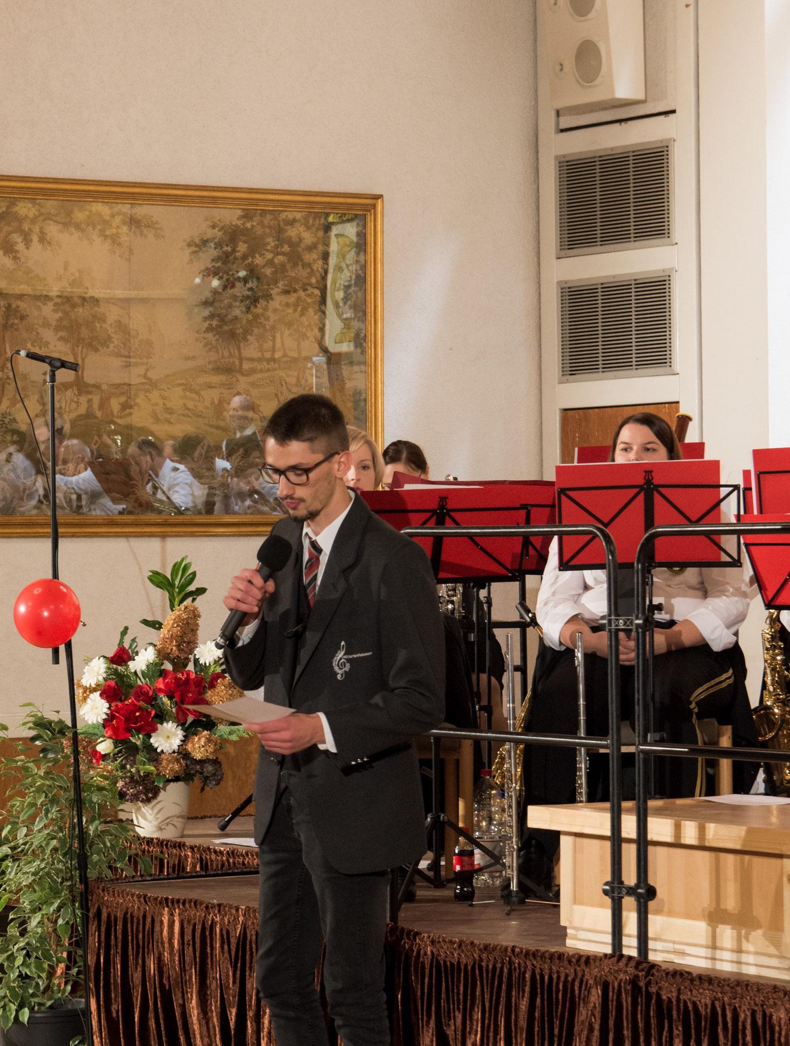 Timo Natter aus der Spielgemeinschaft Hütschenhausen führte uns informativ und unterhaltsam durchs Programm.