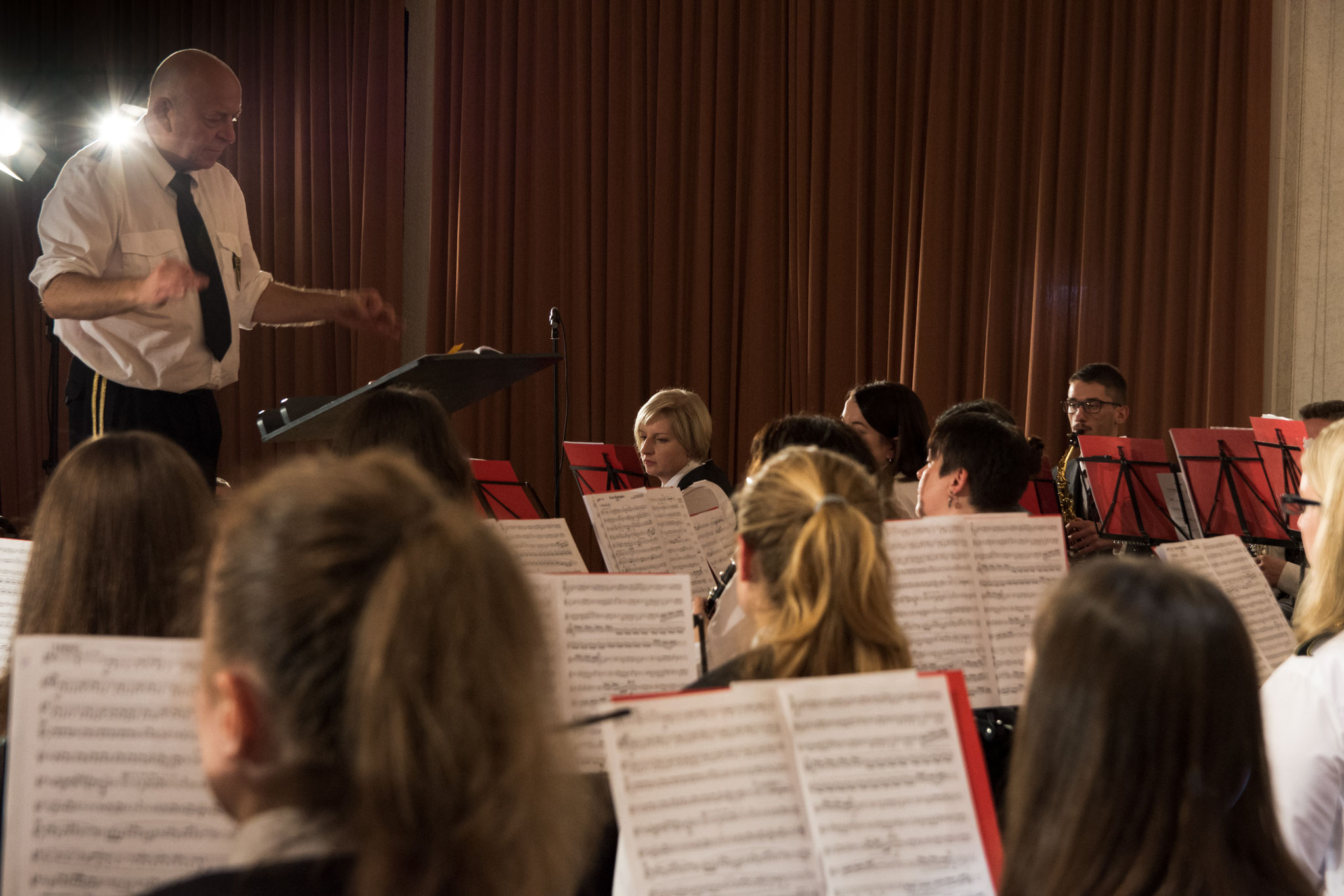 Auch Markus Eichinger aus Hettenleidelheim bewährte sich als Dirigent des Gemeinschaftsorchesters.
