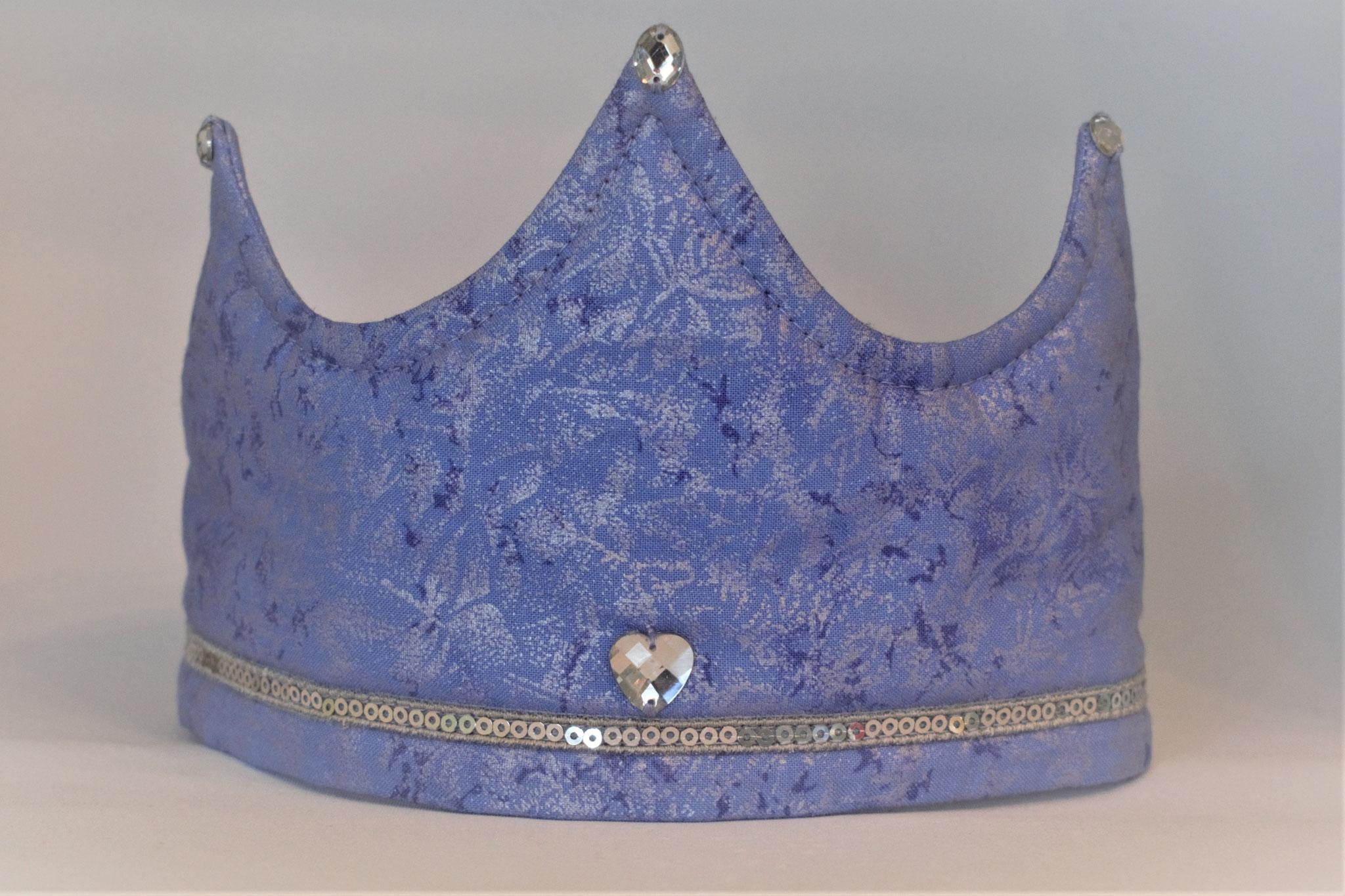 hellblau mit Glitzerbordüre, 17,50€