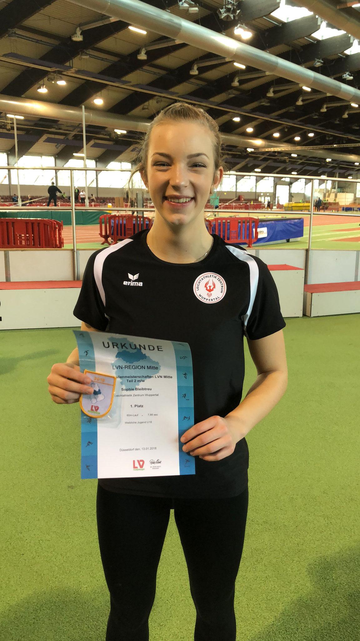Siegerehrung 60m WJU18: 1. Sophie Bleibtreu