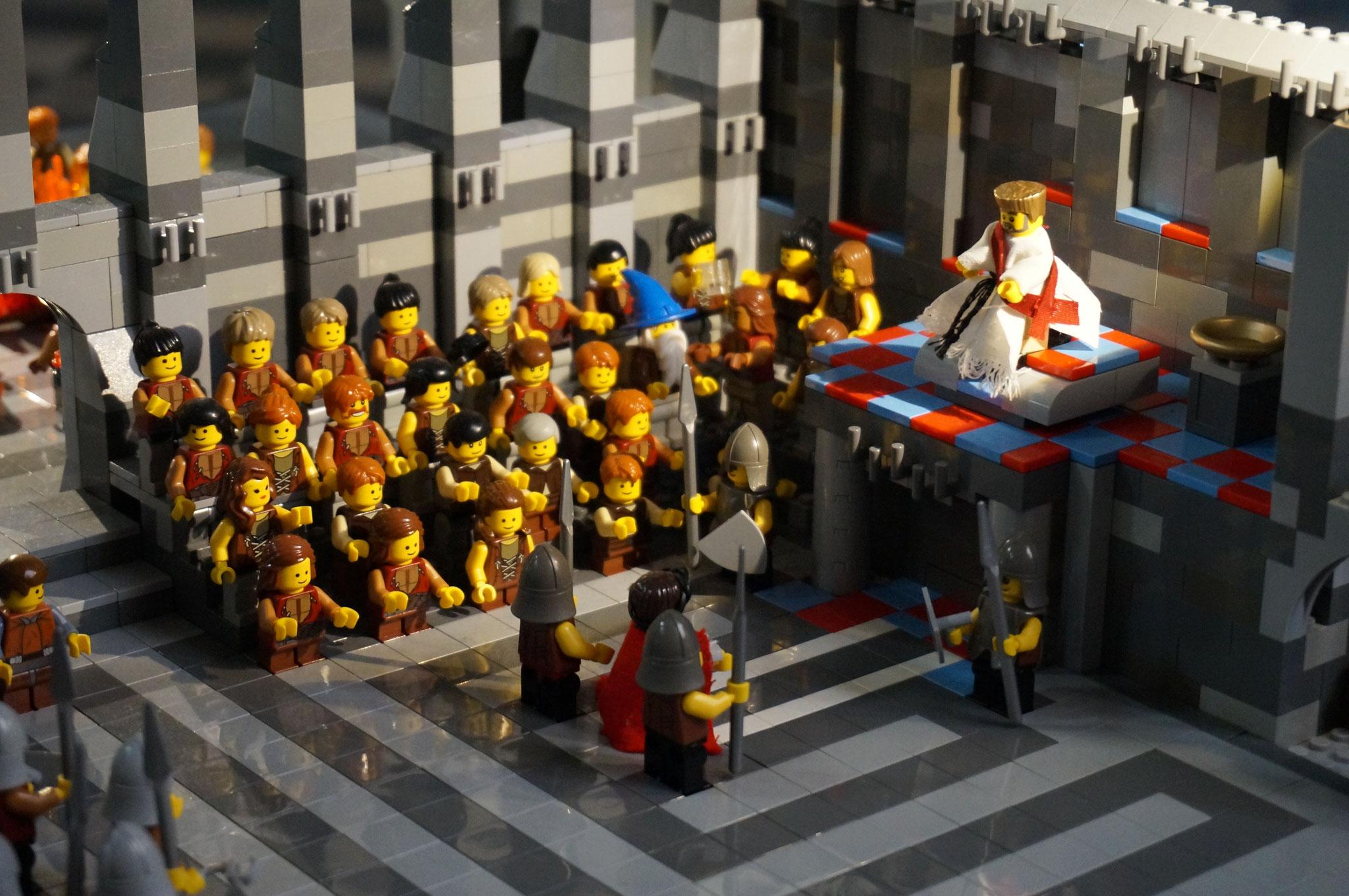 4. Station - b - Jesus wird von Pontius Pilatus verhört und von den Soldaten verspottet