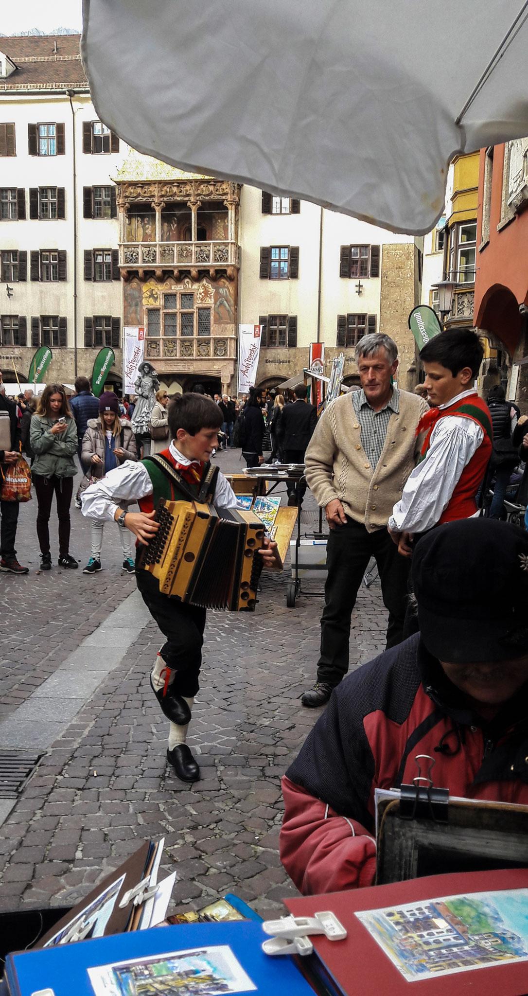 Veranstaltung in der Altstadt anlässlich des Volksmusikwettbewerb in Innsbruck v. 27. - 30. Okt. 2016