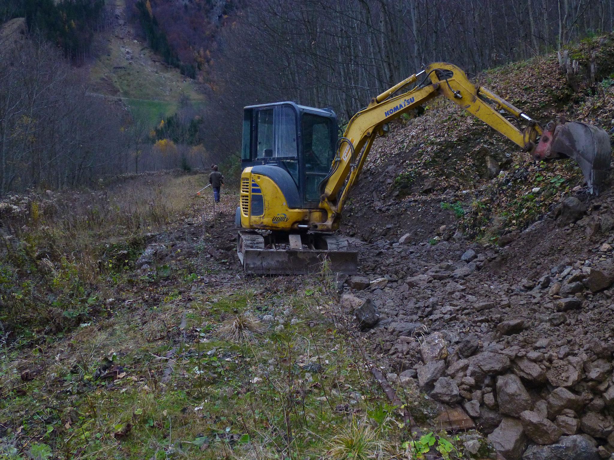 Räumung Durchlass Linsbach km 6,25 (Peter Heiser) im November 2015