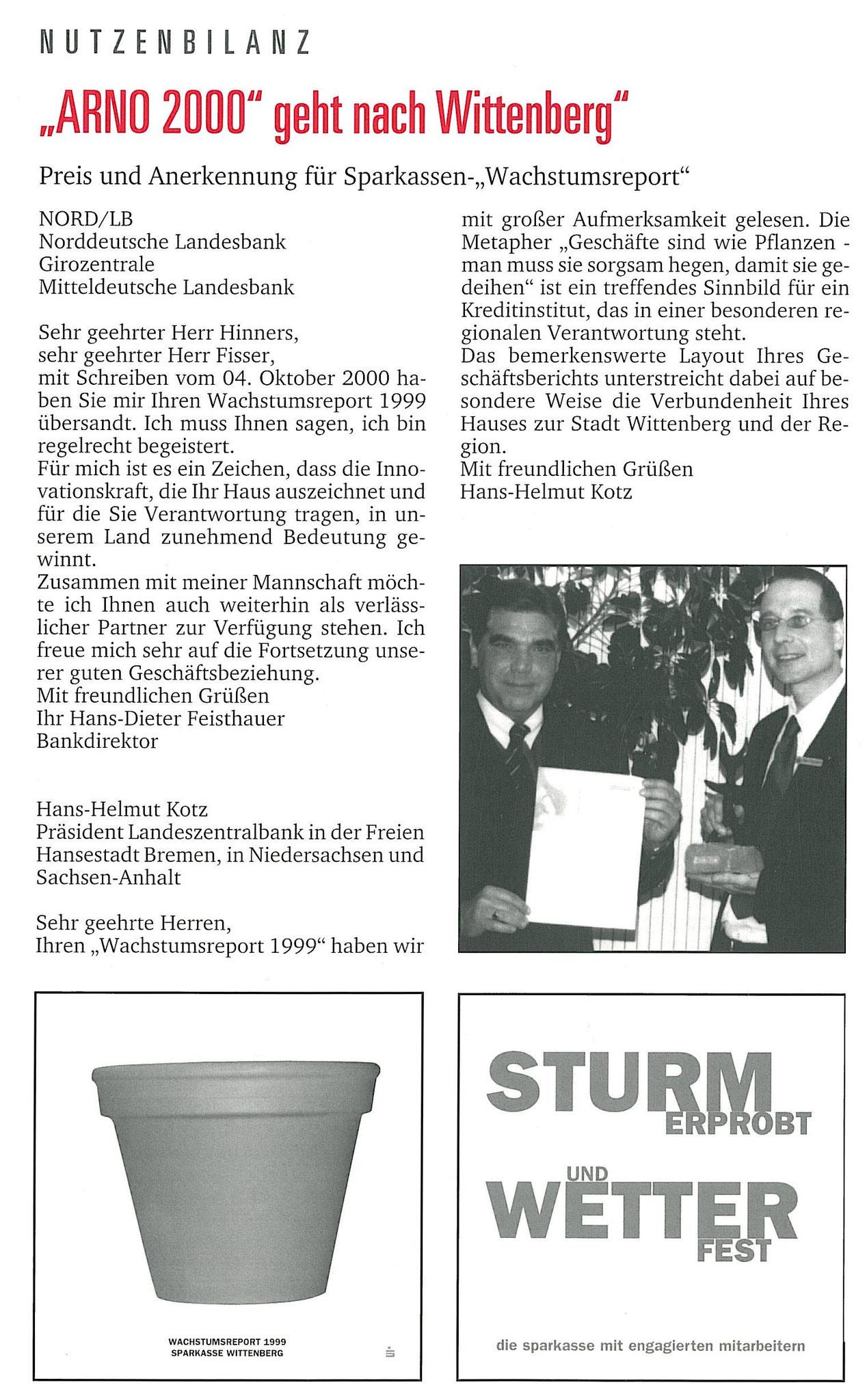 """VV Bernd Hinners und stv. AL Andreas Prautsch präsentieren den Preis für nachhaltige Öffentlichkeitsarbeit """"ARNO 2000"""""""