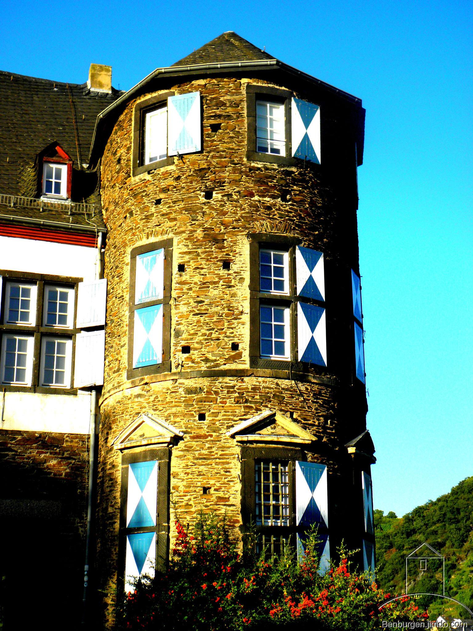 Eckturm. Oberburg Gondorf