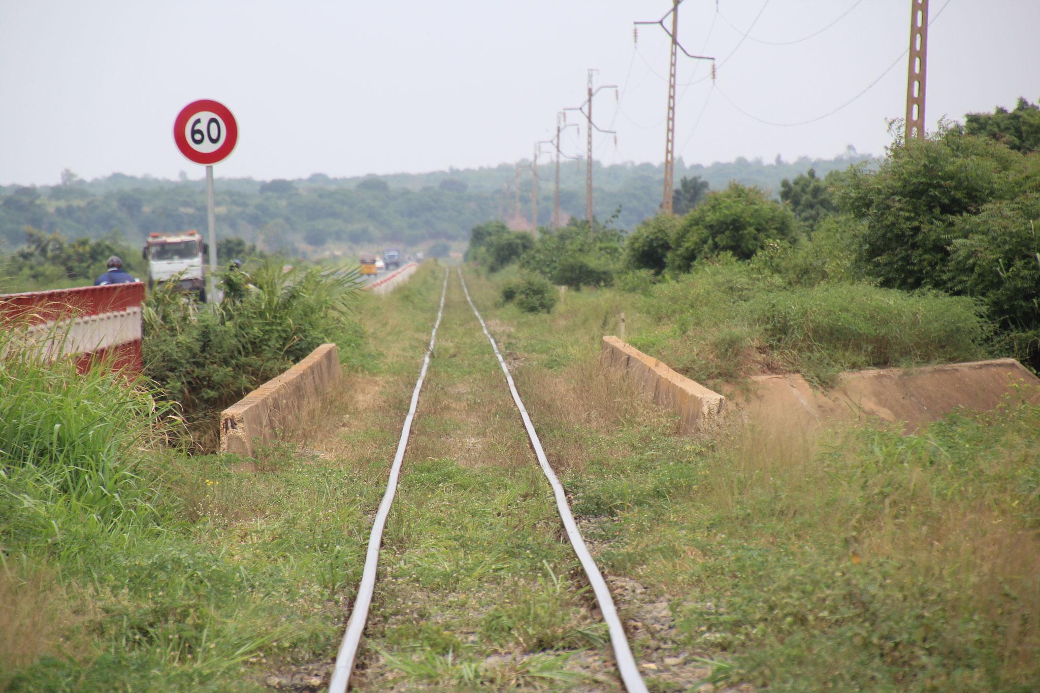 Eisenbahnlinie bei Haho.