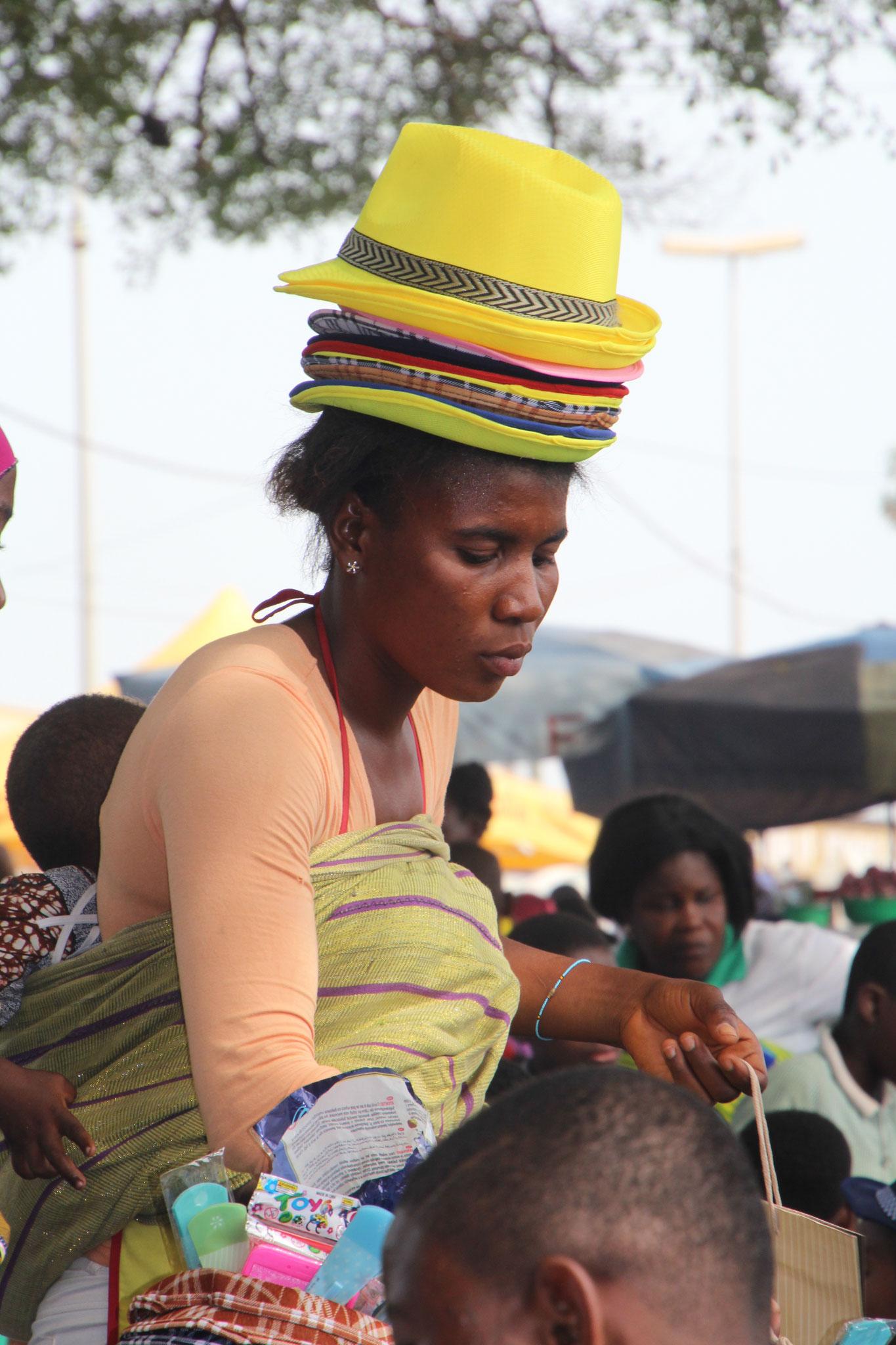9. Hutverkäuferin.