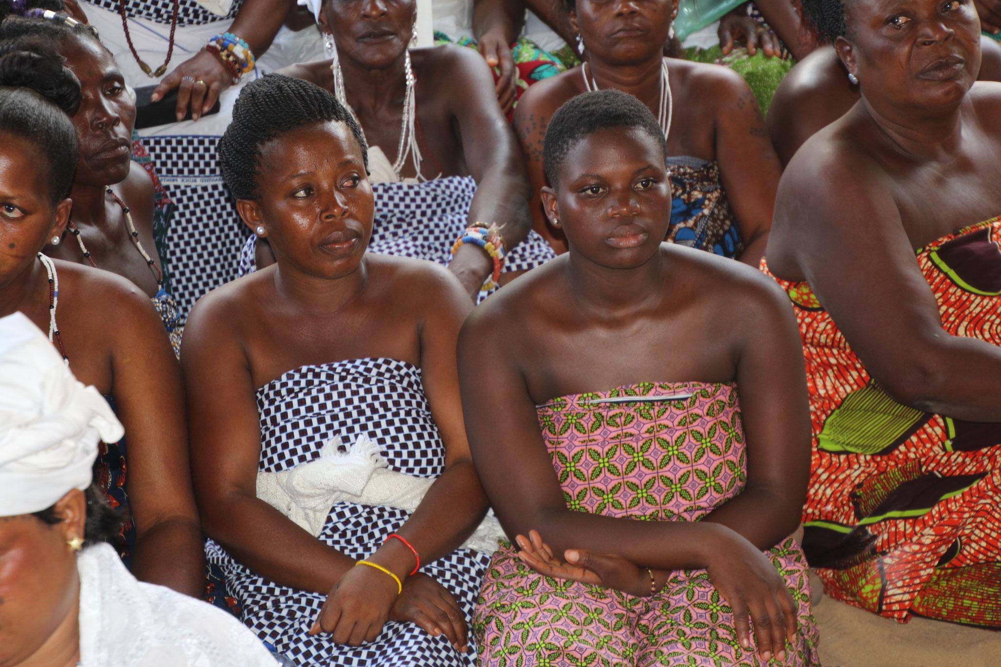 14. Tonton Akuete begrüsst Angehörige des Königs von Glidji Ata Kpesu.