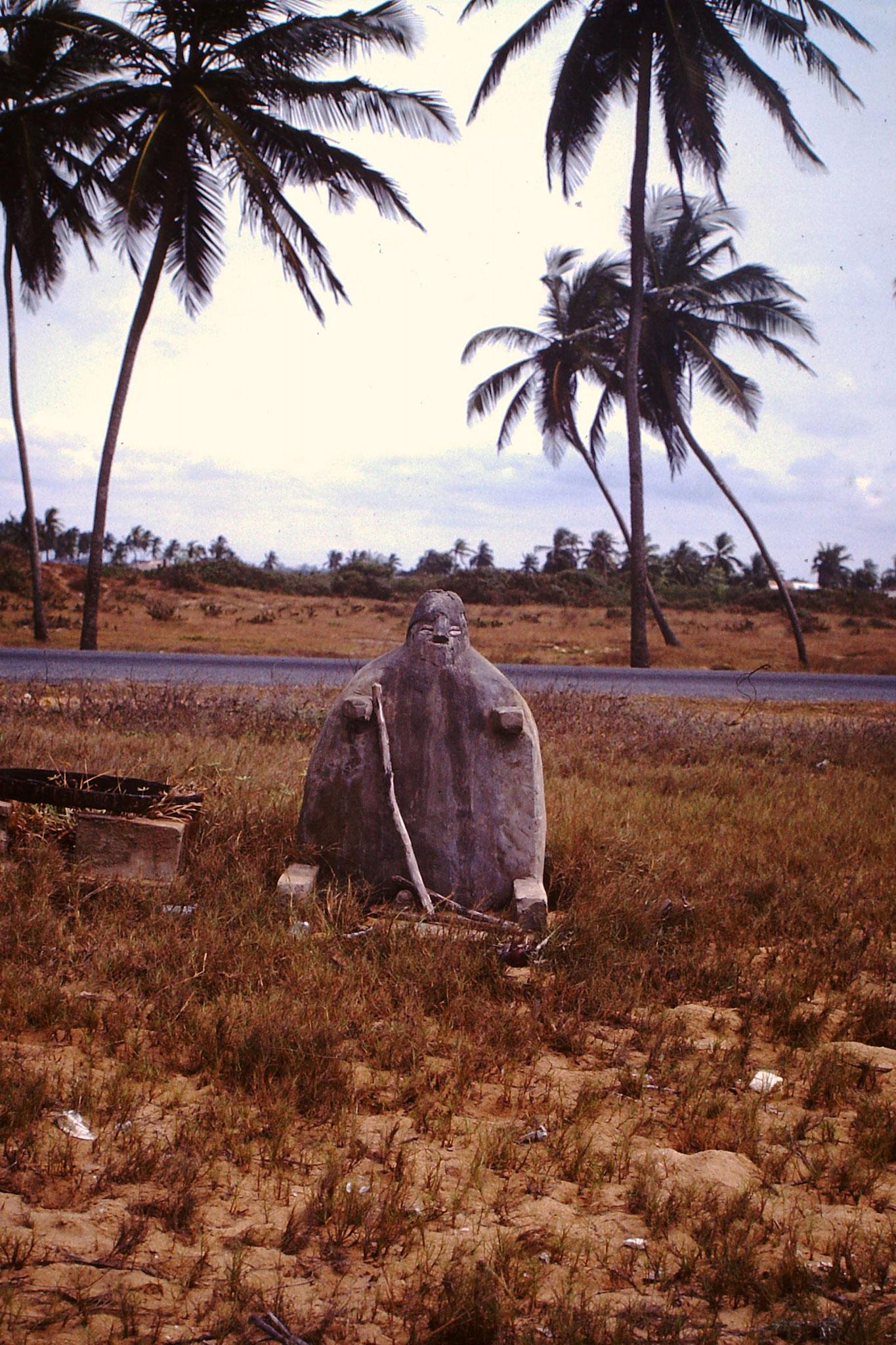 Fetisch am Strand von Agbodtrafo.