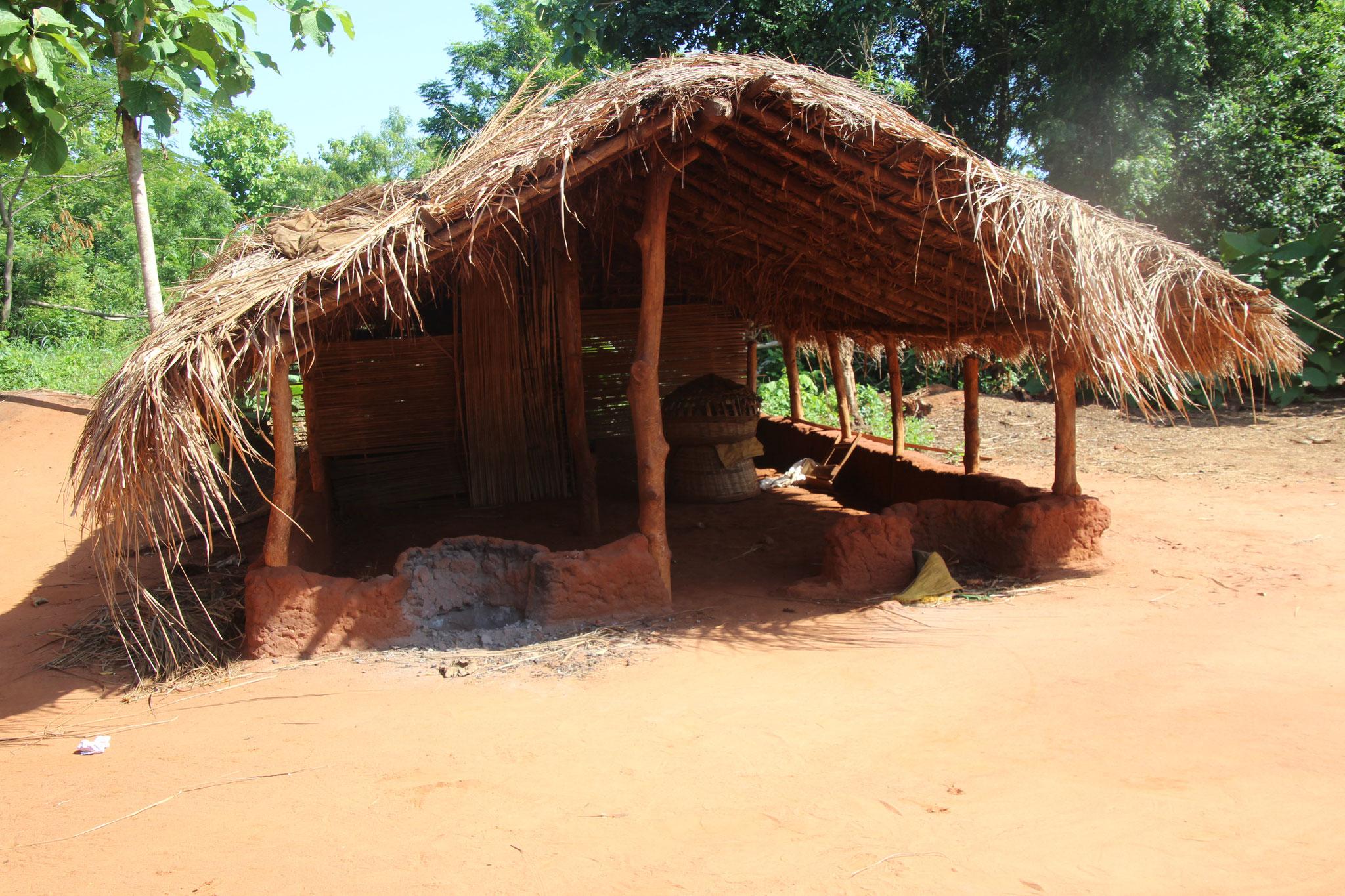 Gemeinschaftsraum, auch Palaverhütte genannt.