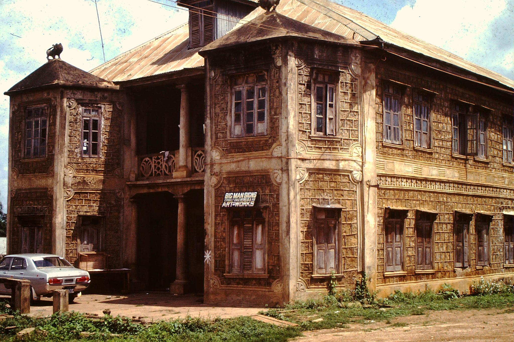 Haus aus der Kolonialzeit in der Bucht von Biafra.