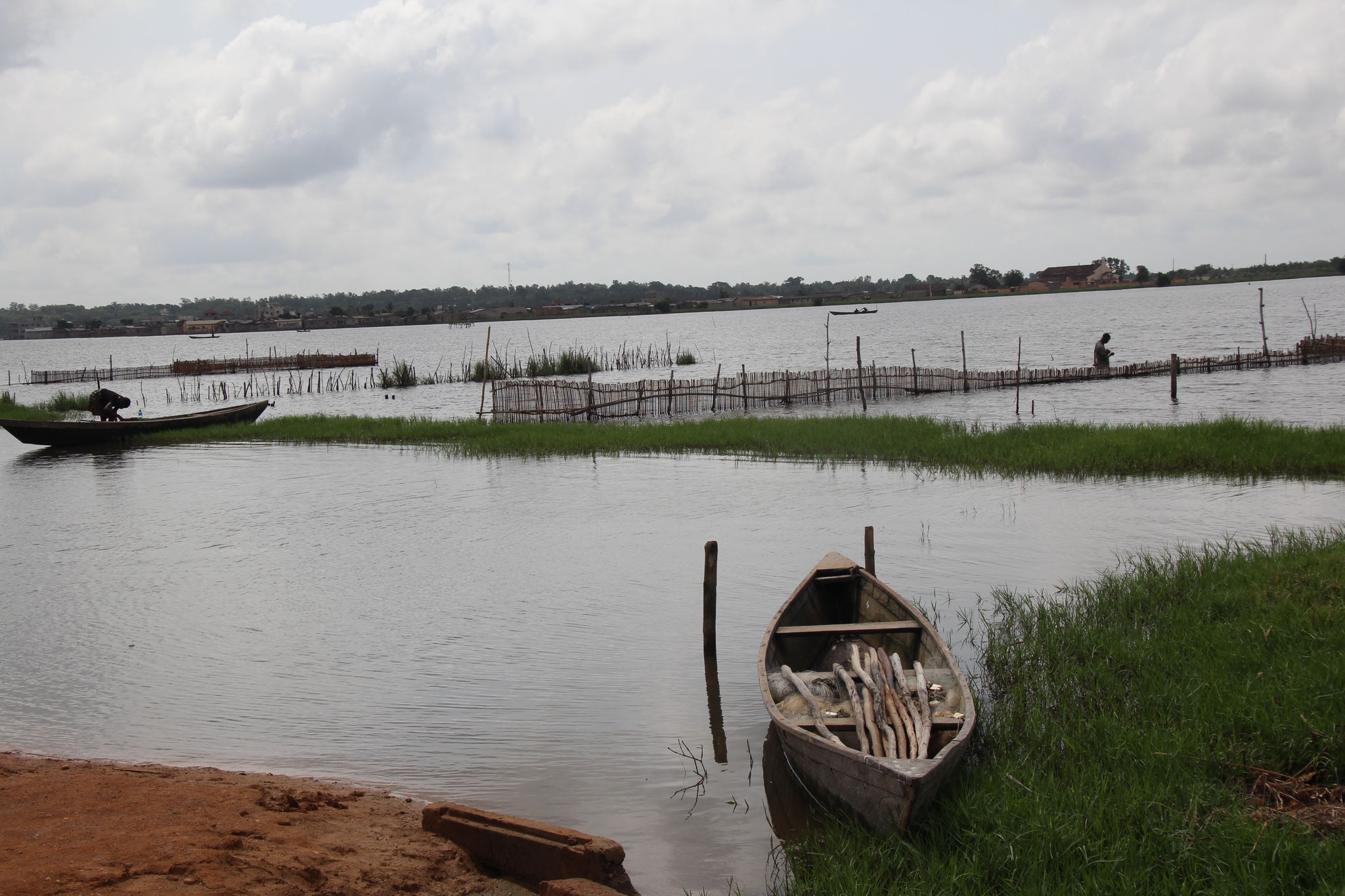 15. Landschaft in Come Benin.