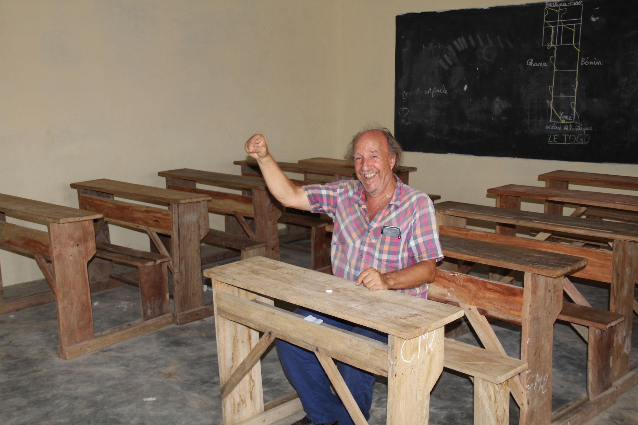 Richard Nussbaumer in der Schule Belle Etoile