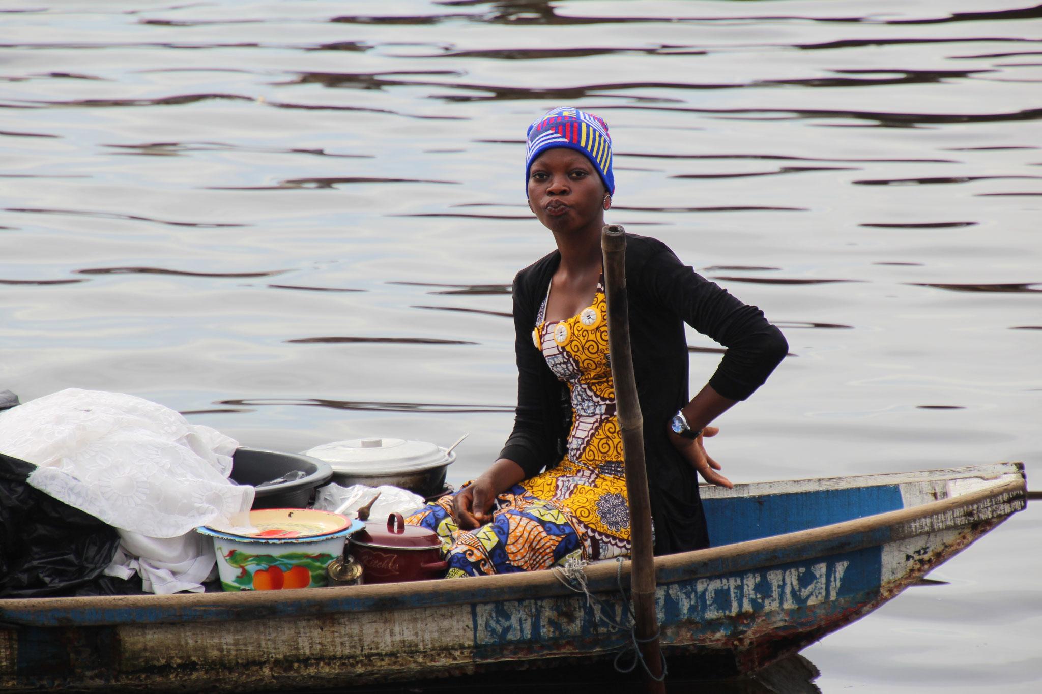 Junge Marktfrau.
