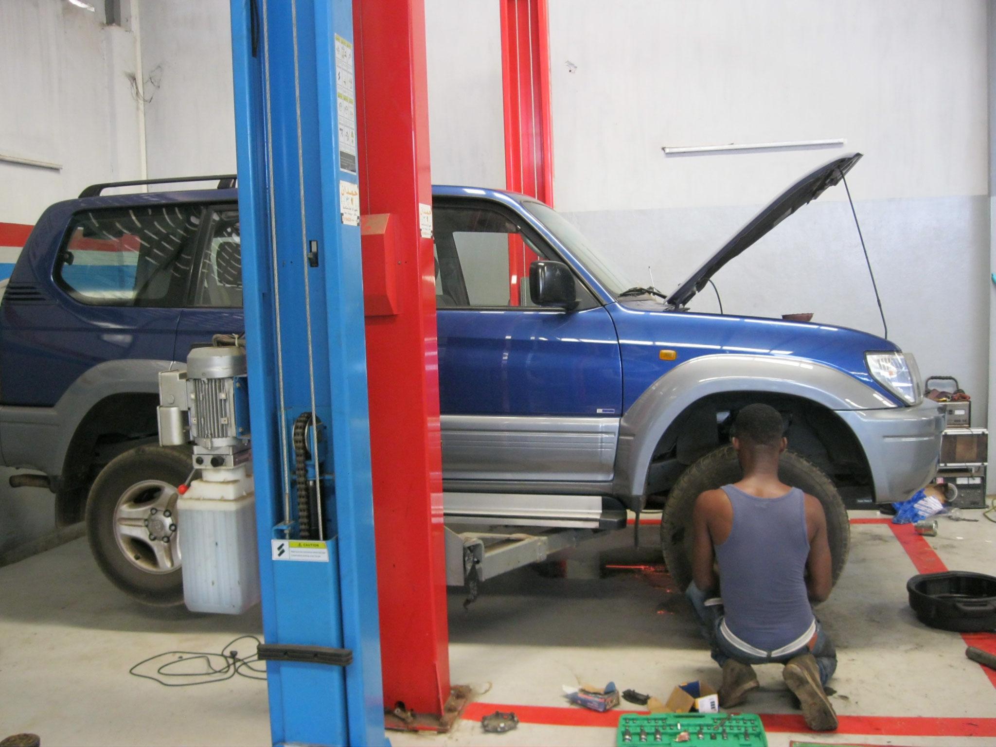 Die vorderen Bremsen wurden ersetzt.