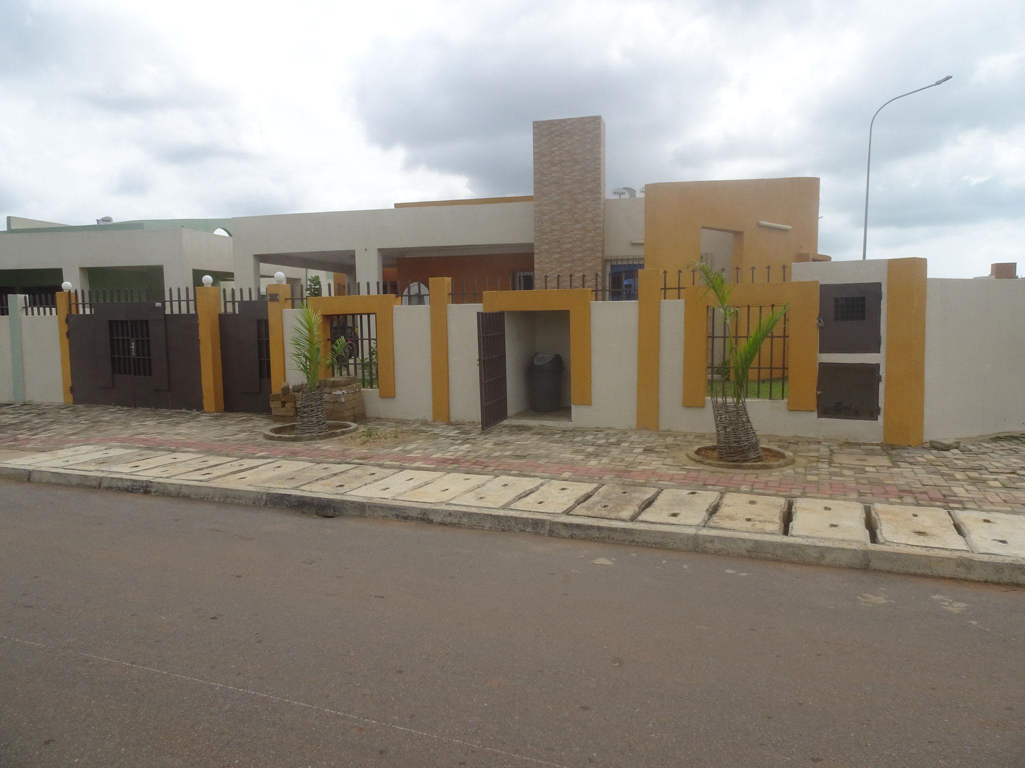 18. Reihenhäuser im neuen Cité Boad, in Baguida.