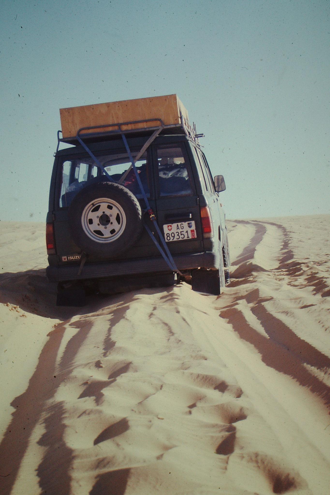 Mehrmals mussten Dünen überquert werde.