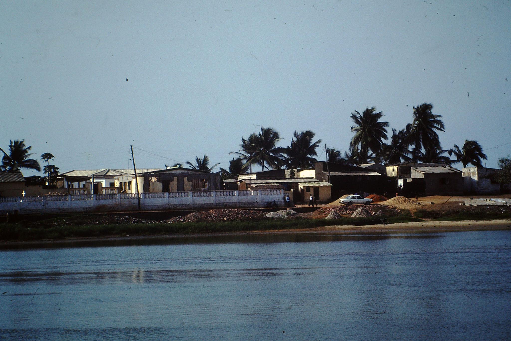 Restaurant an der Lagune von Aneho.
