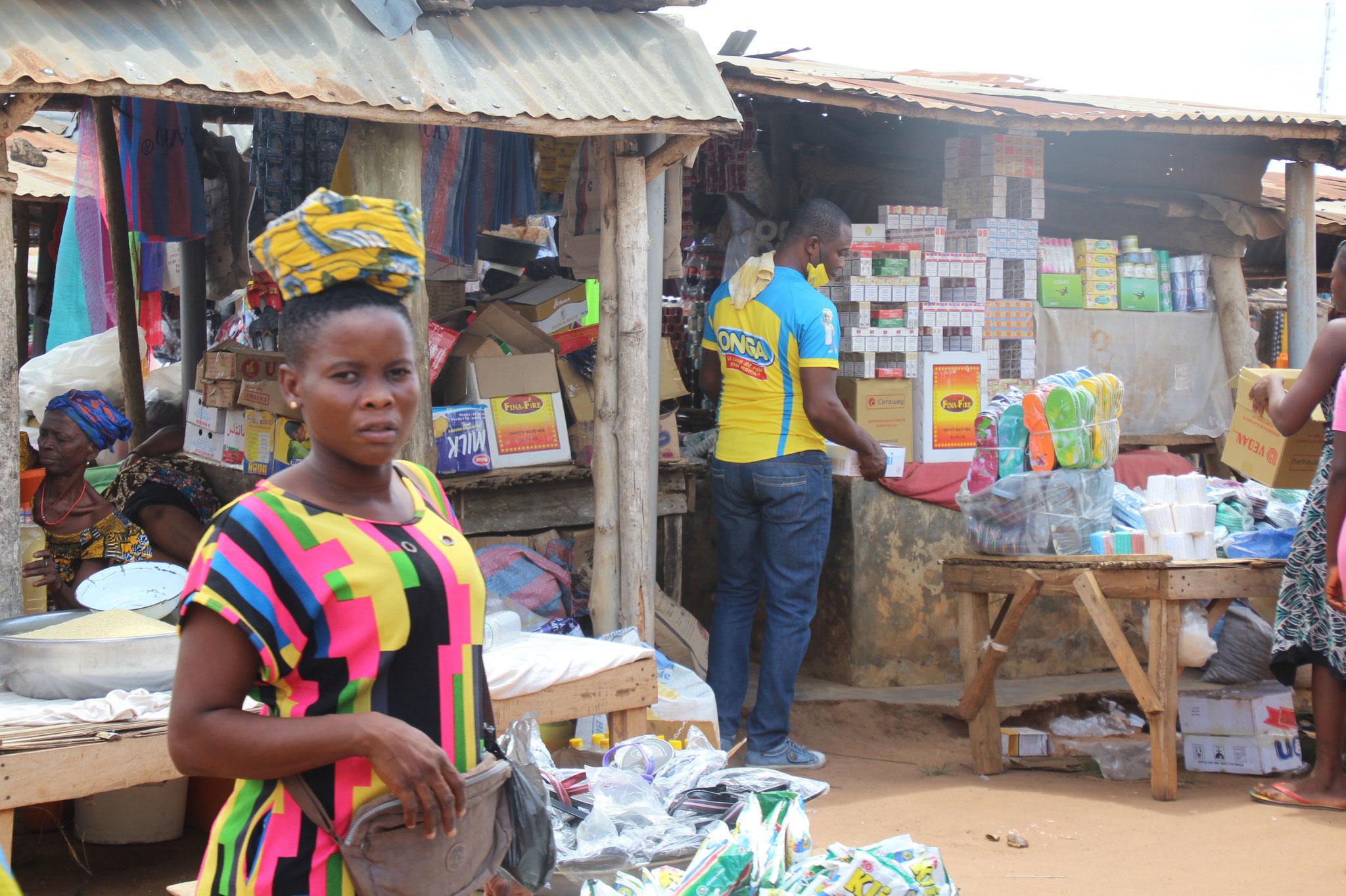 Marktfrau in Tagblibo.
