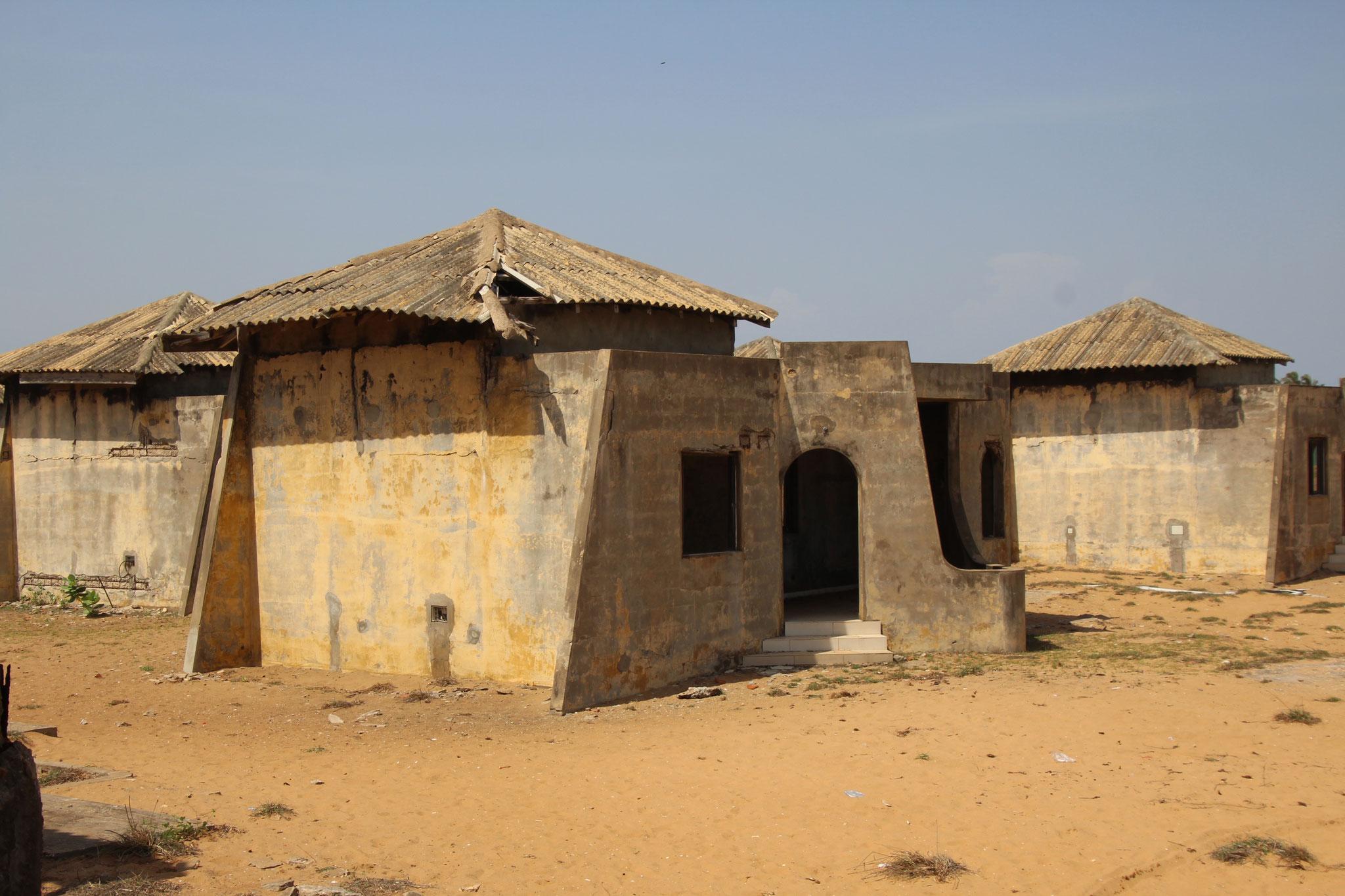 Hütten für überzählige Sklaven.