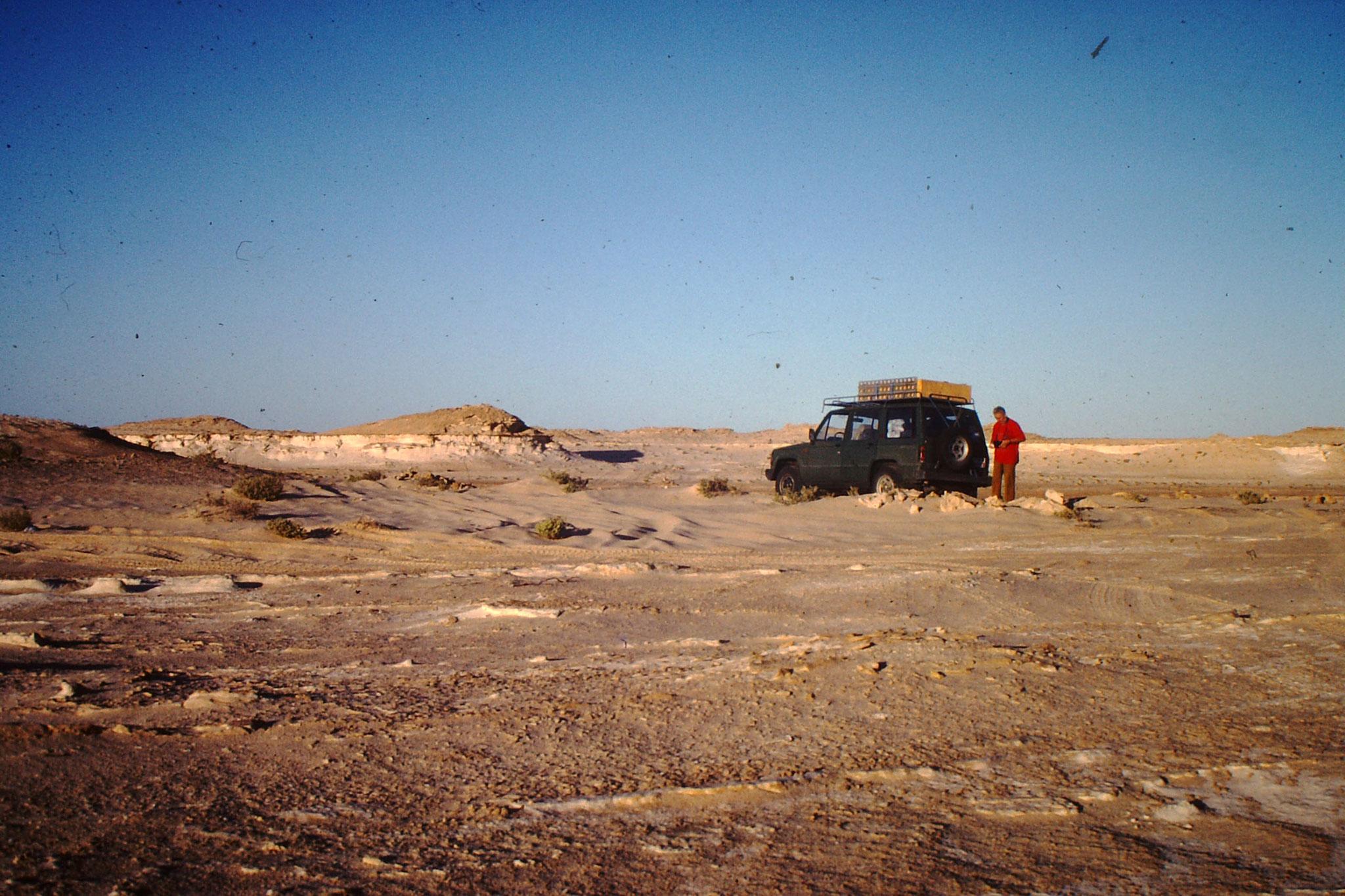 In der Sahara mit Hugo Kloser.