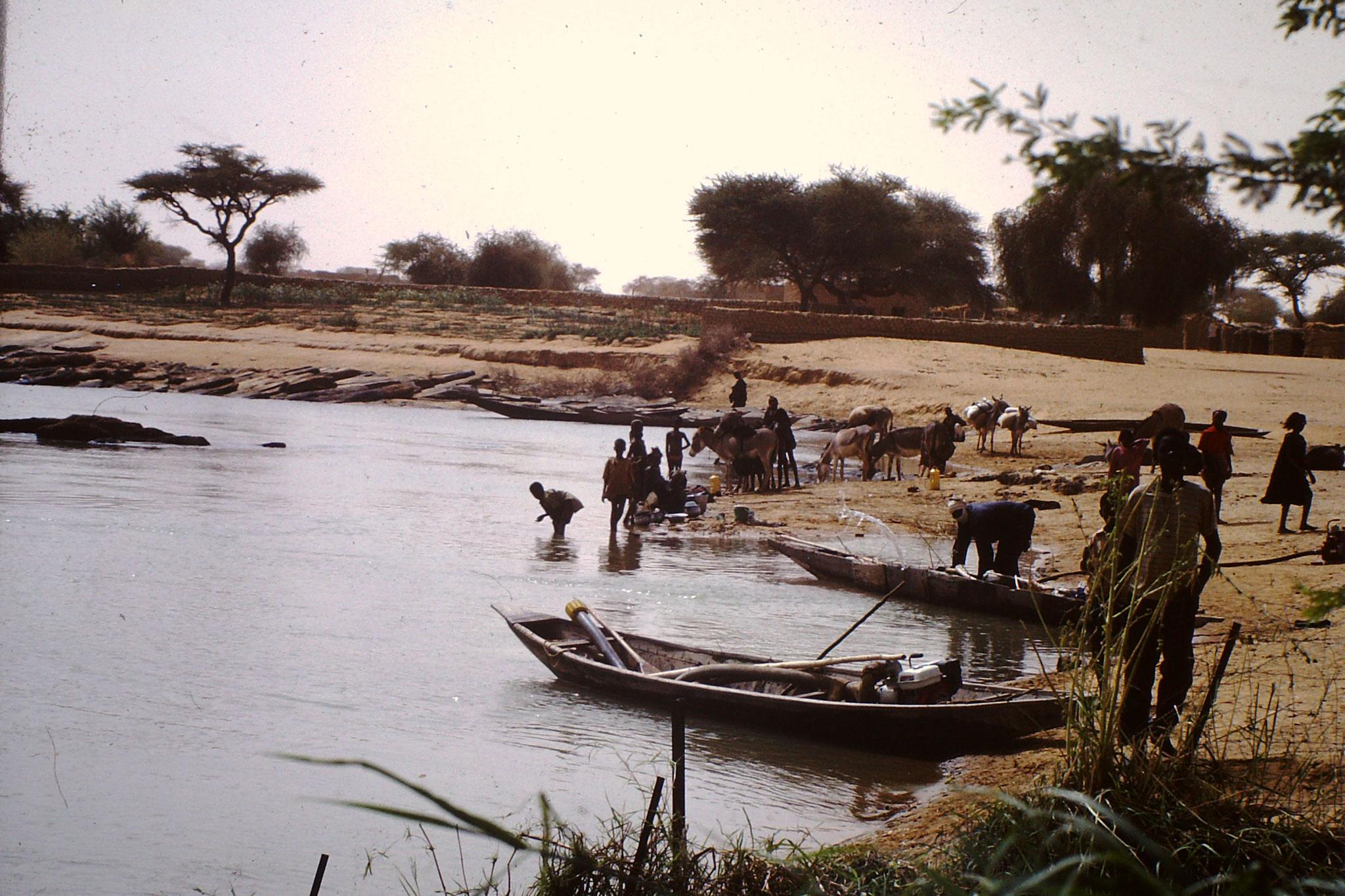 Fischer am Fluss Senegal. (2001)