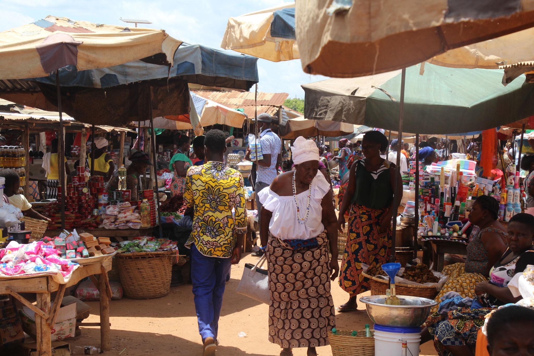 Markt in Tagblibo.