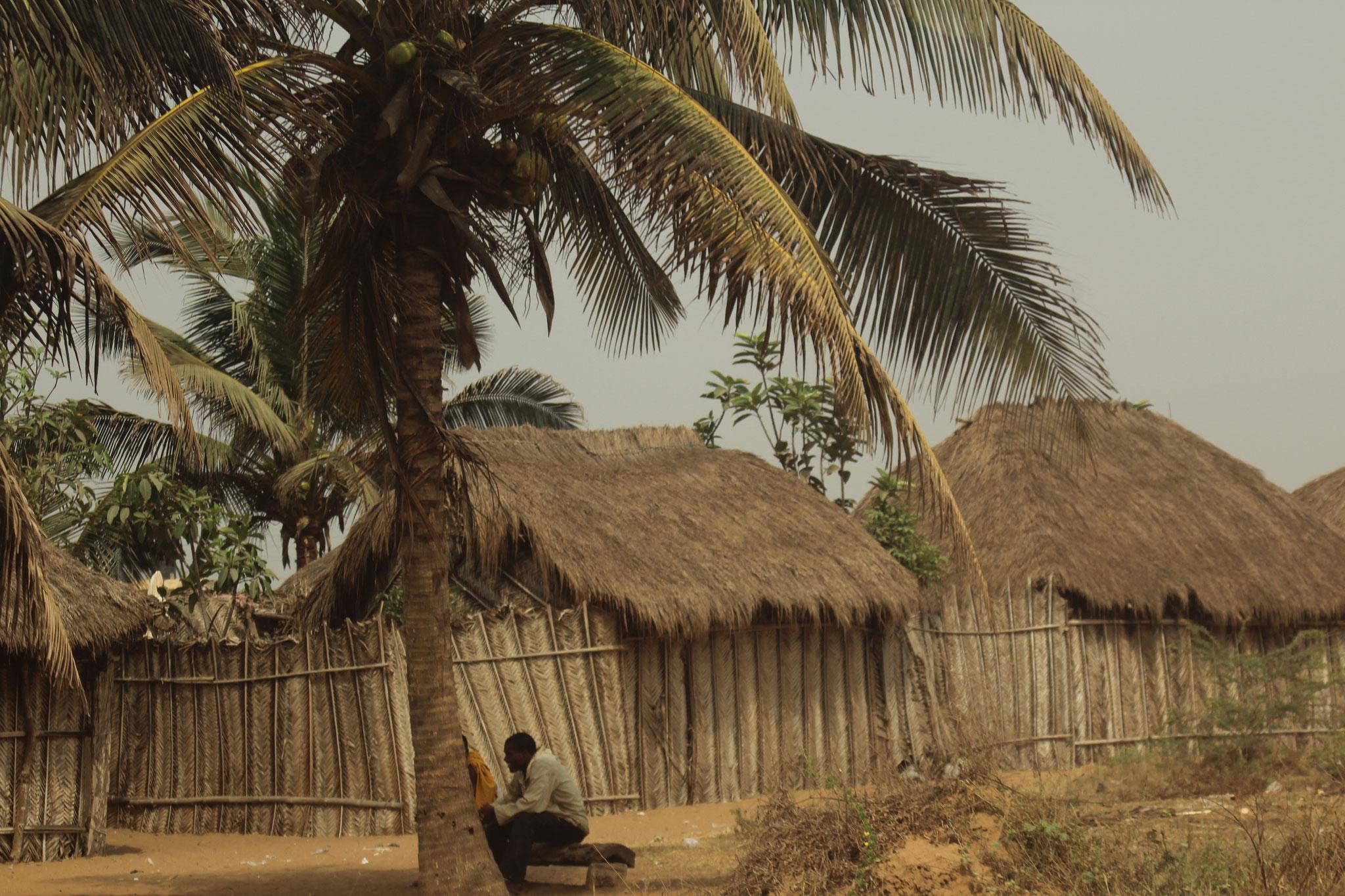 5. Fischerhütten in Agbotrafo.