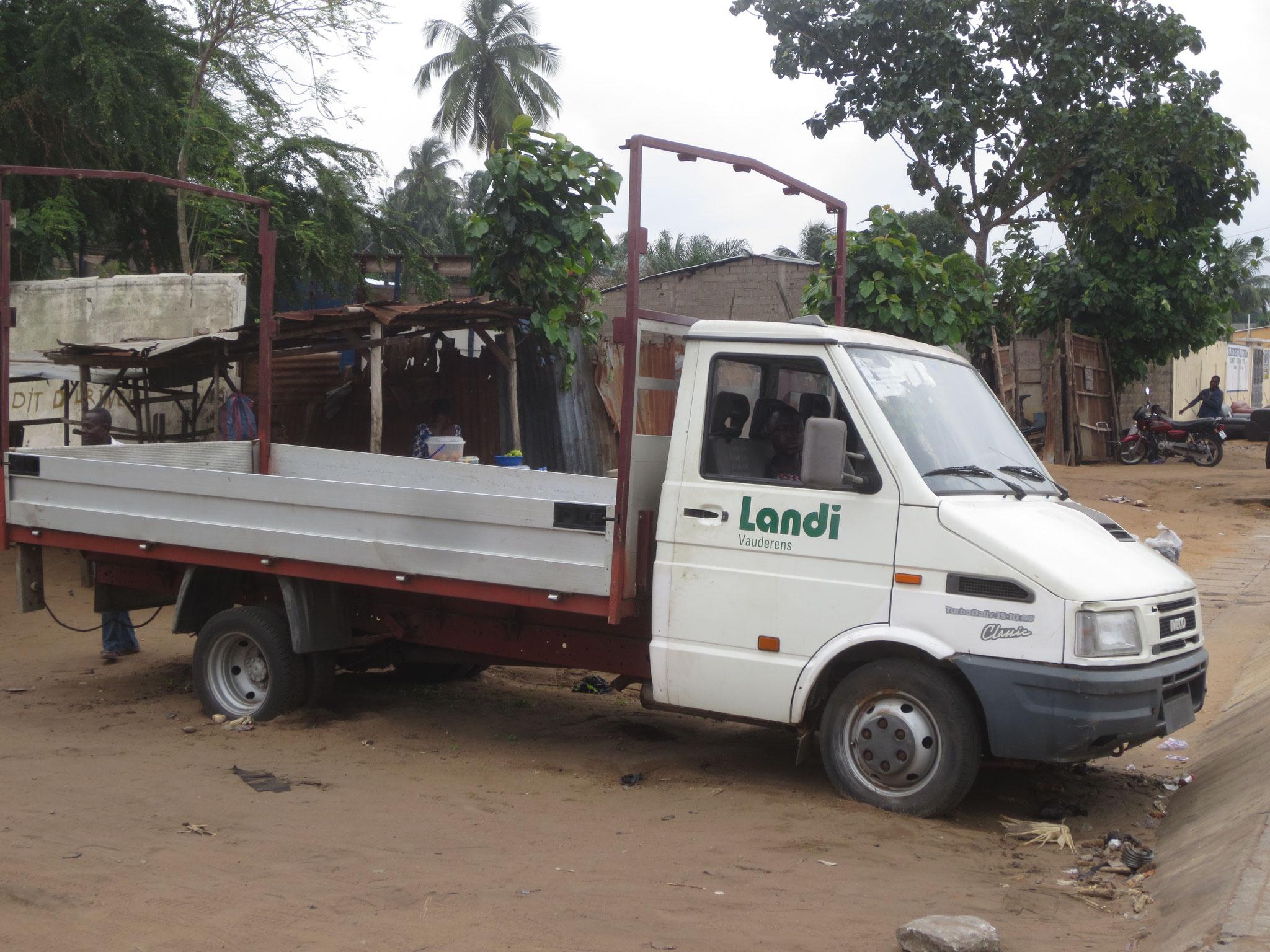 15.  Landi Lastwagen in Zorrobar