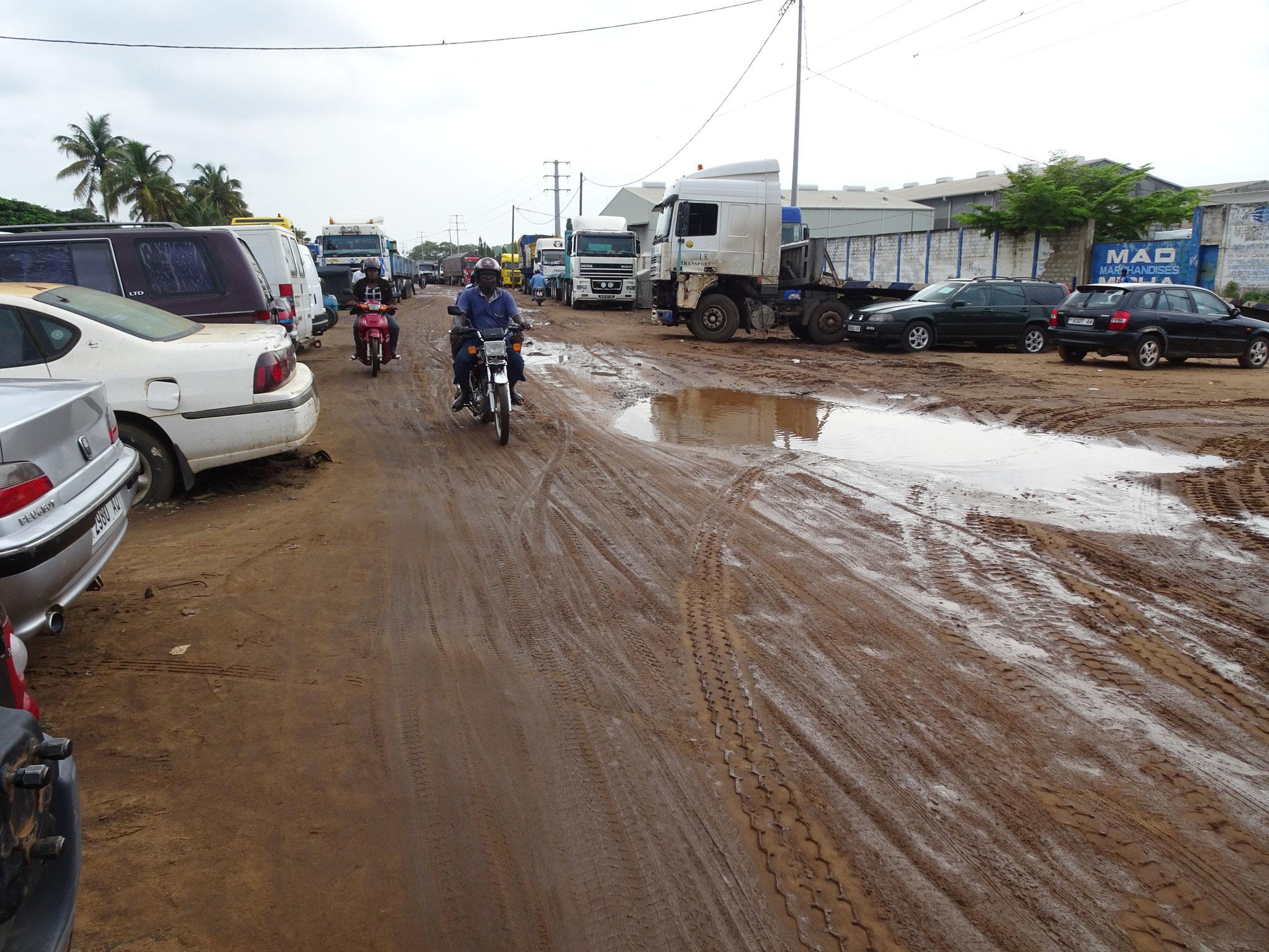 Piste bei Kagome während der Regenzeit.