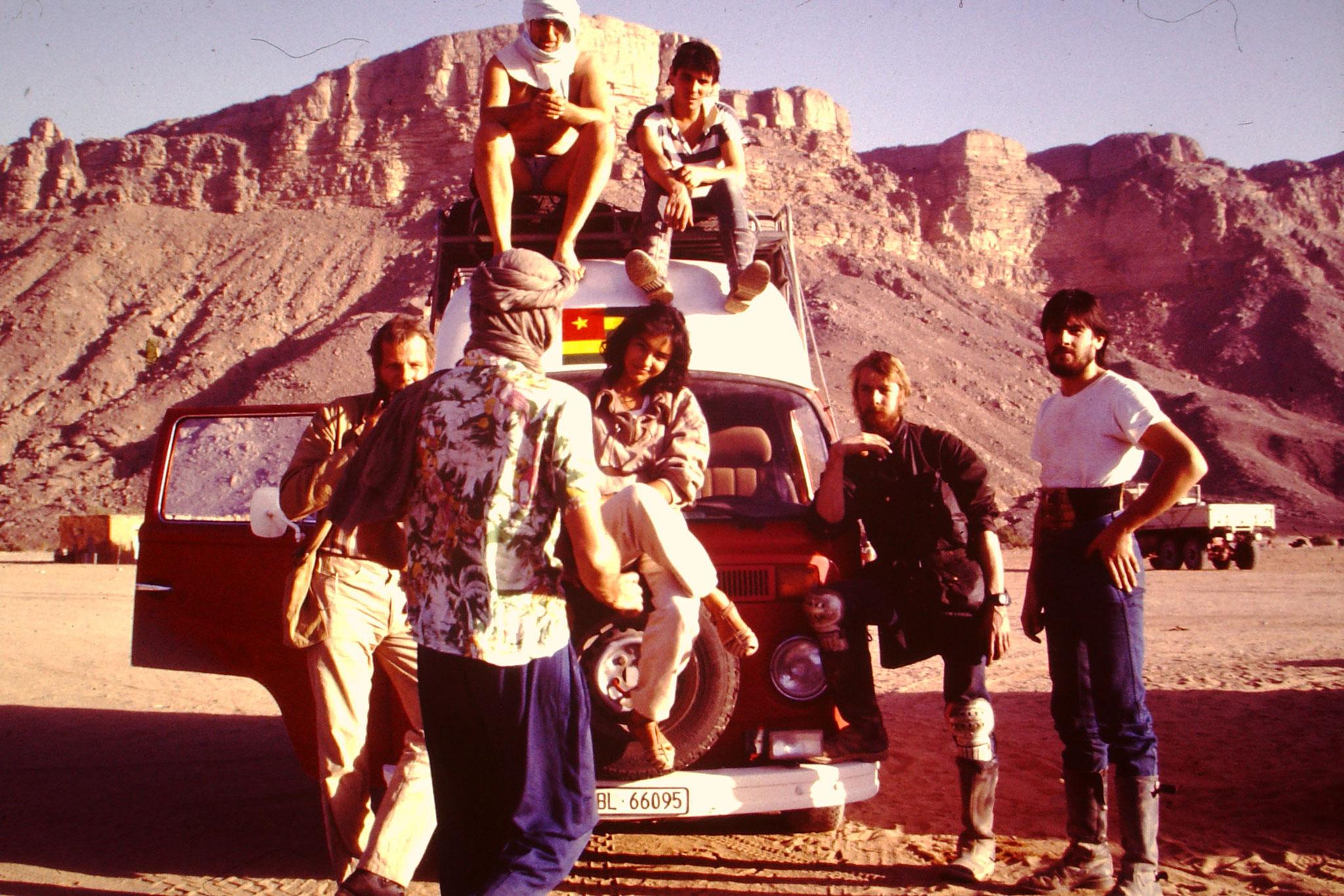 Die Teilnehmer der Letzten Saharadurchquerun via Hoggar Piste (1987).