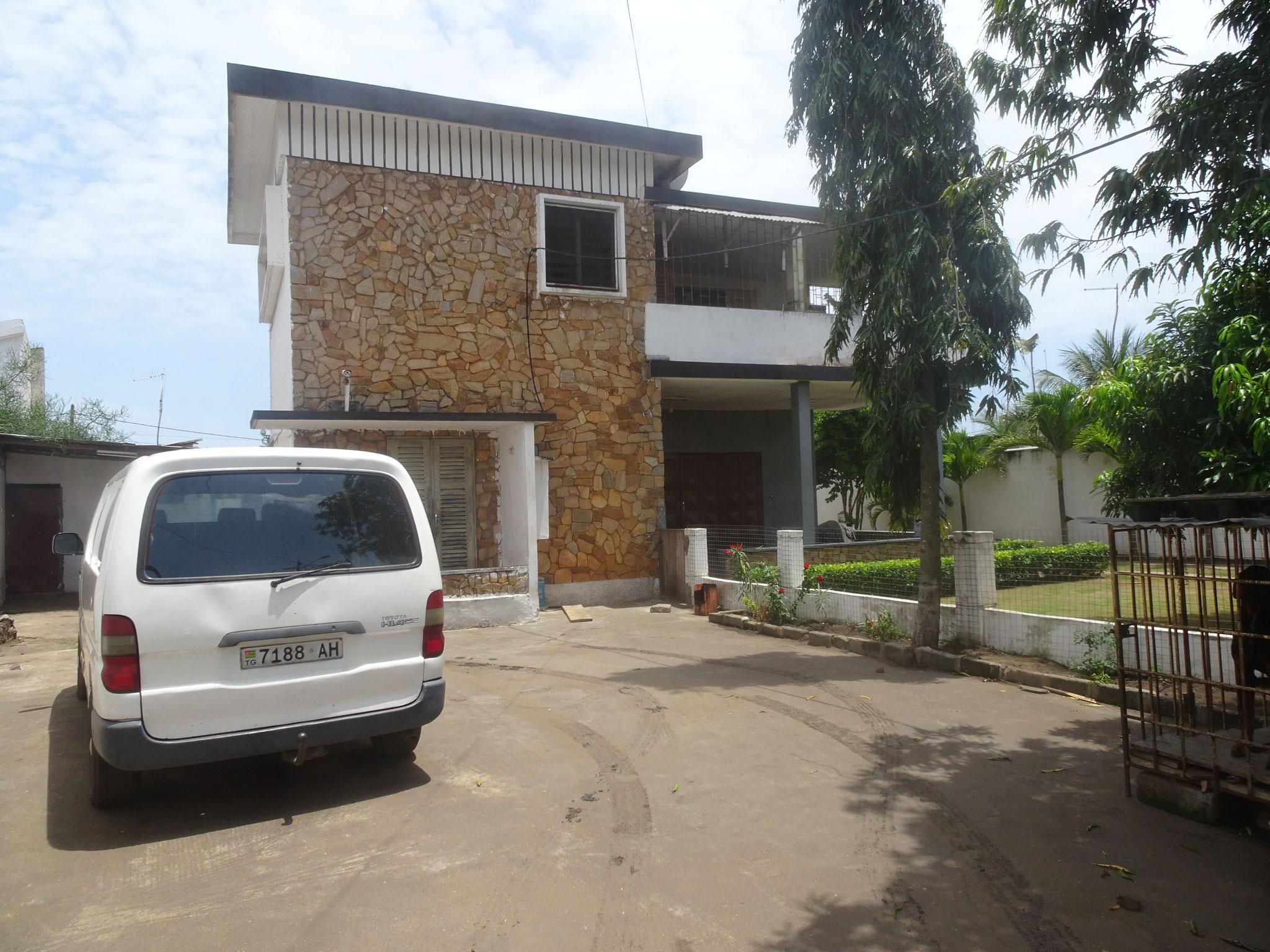 "5. Kinderheim ""Oasis"" in Nyakonuacue Innenhof."