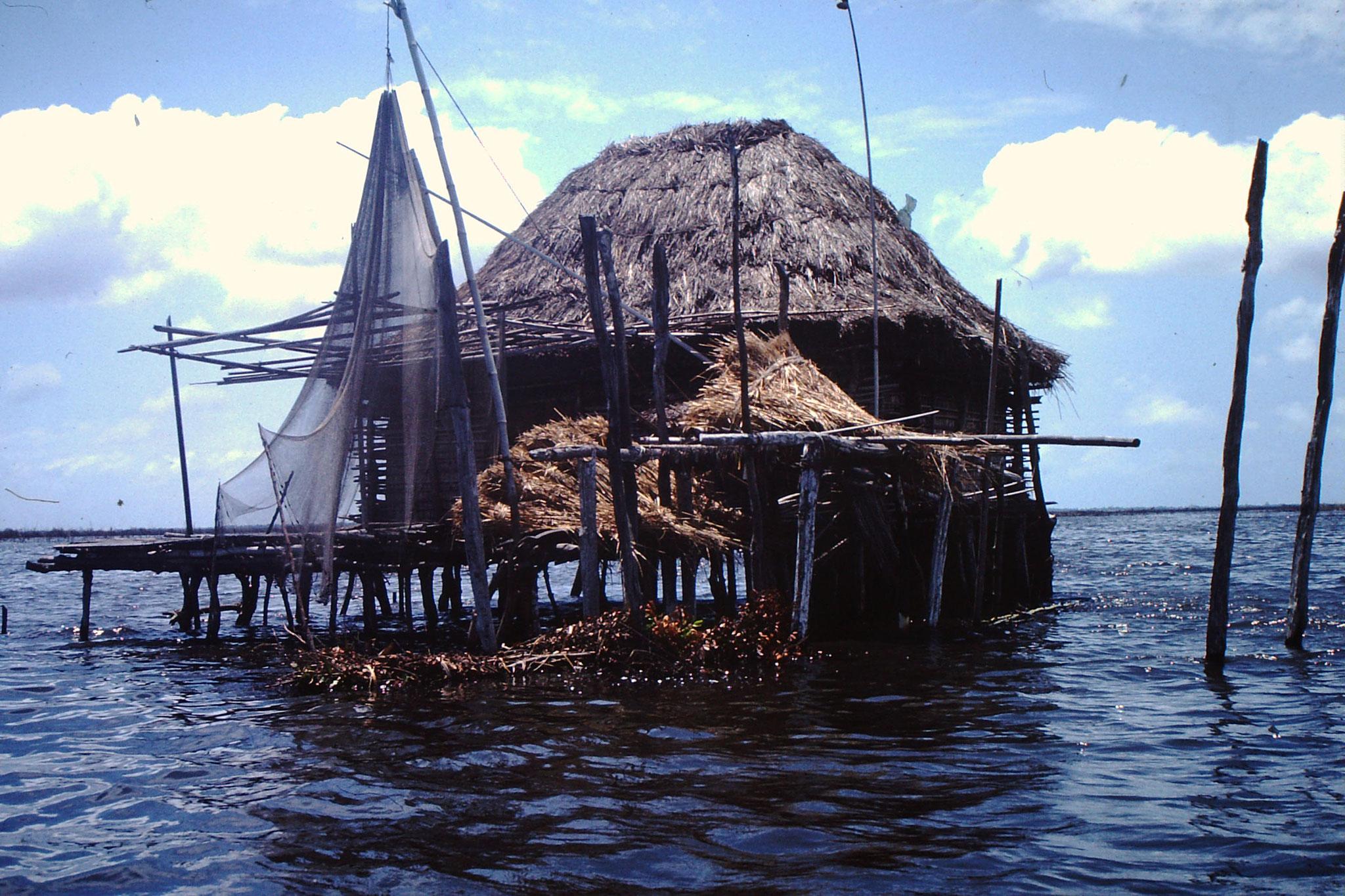 14. Hier wohnt ein Fischer.
