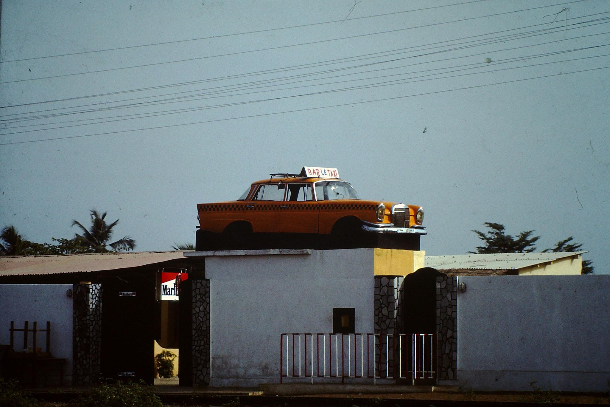 Bar le Taxi.