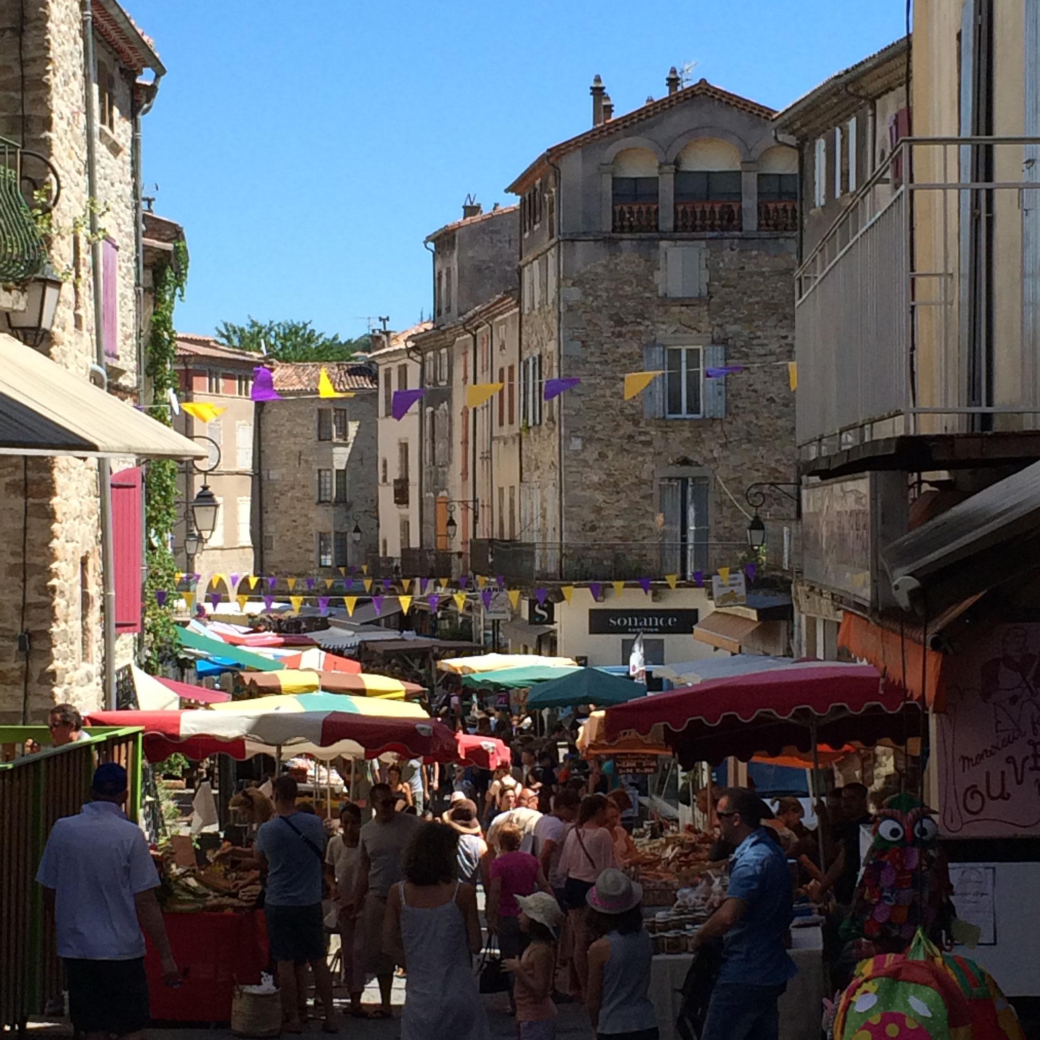 Zaterdagmarkt in Les Vans