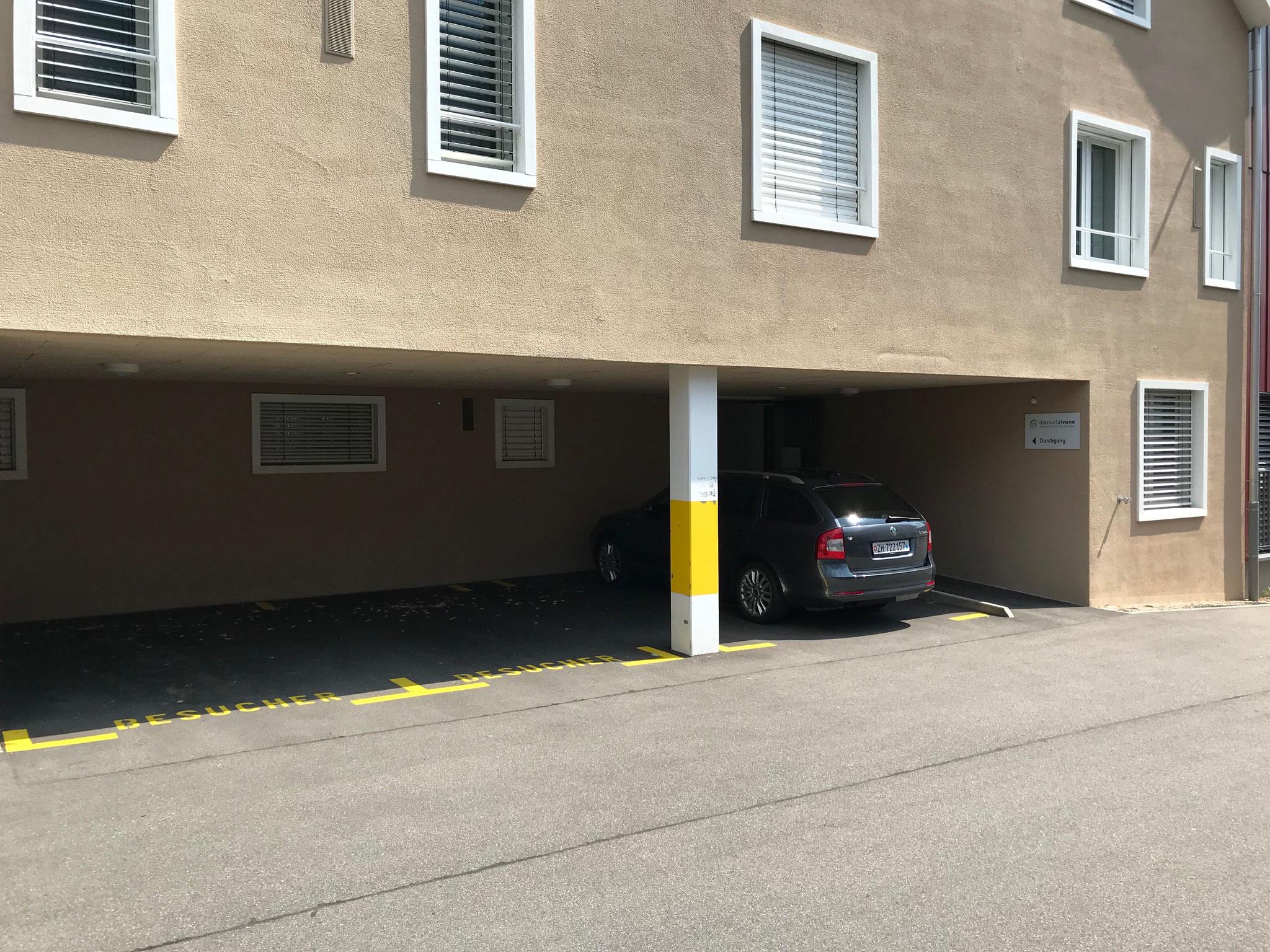 auf den Besucherparkplätzen parken...
