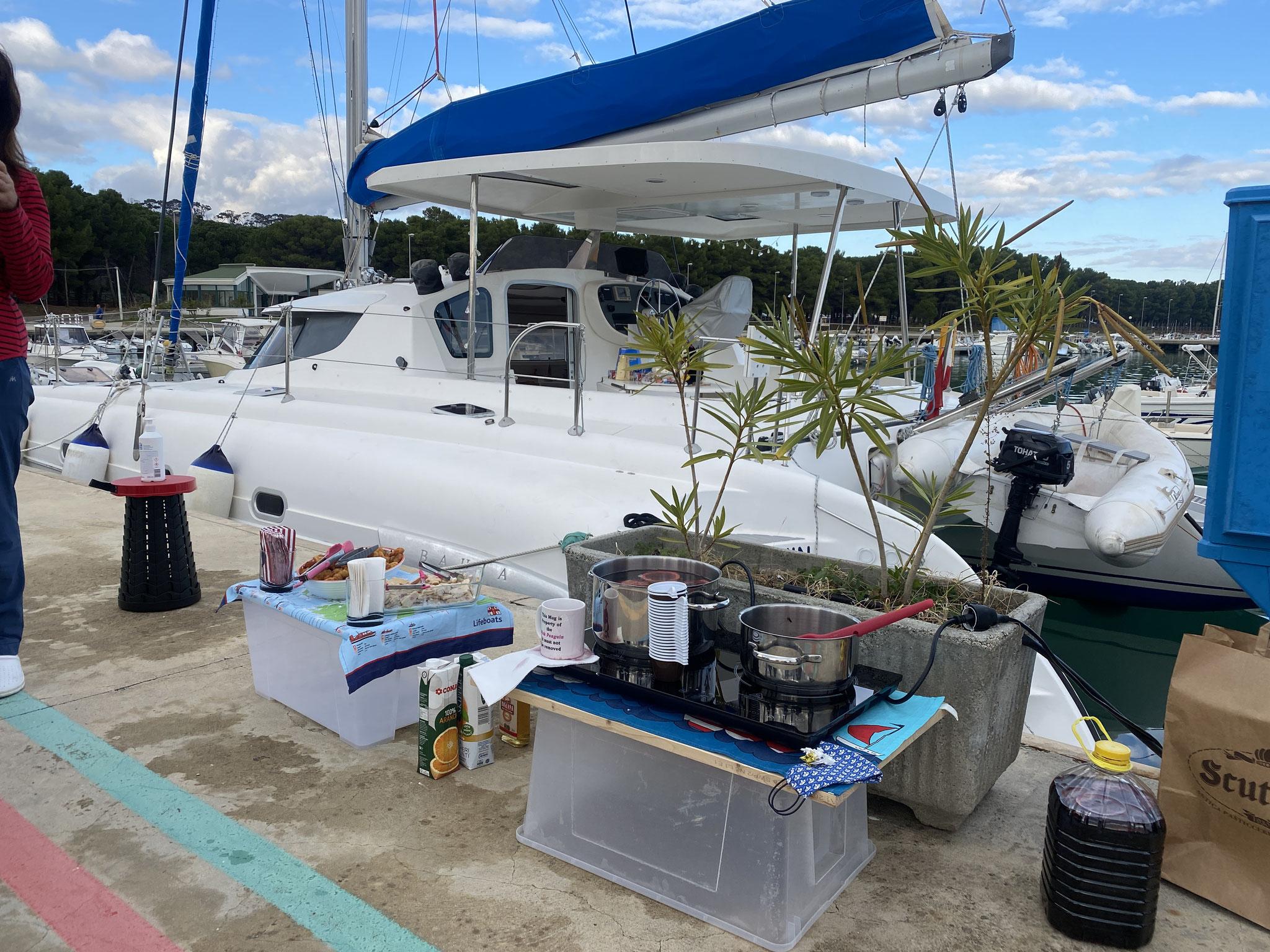Glühwein für die Marina / mulled wine for the marina