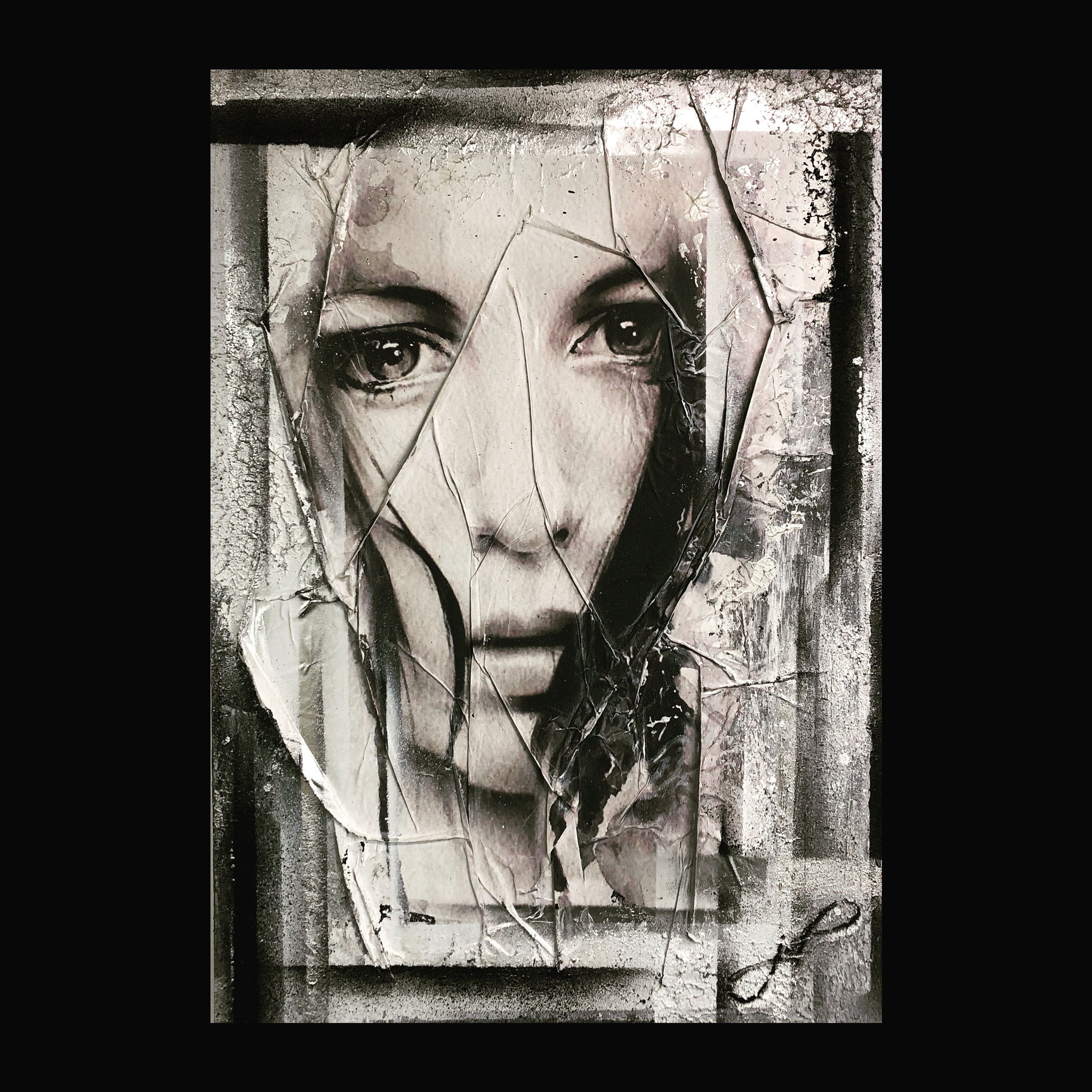 100 x 70 cm / hiding girl / Canvas and Mixmedia / 2016