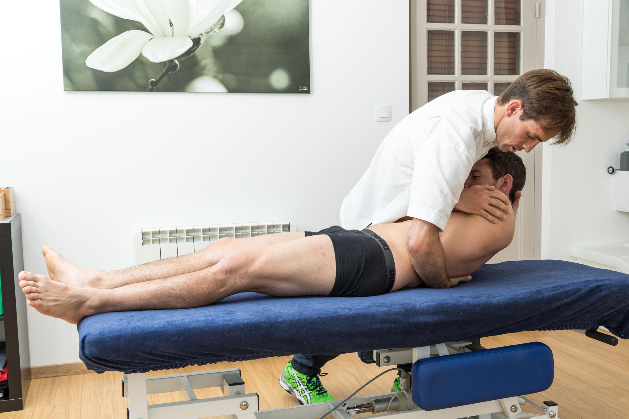 technique de libération articulaire posturopathique du rachis dorsal