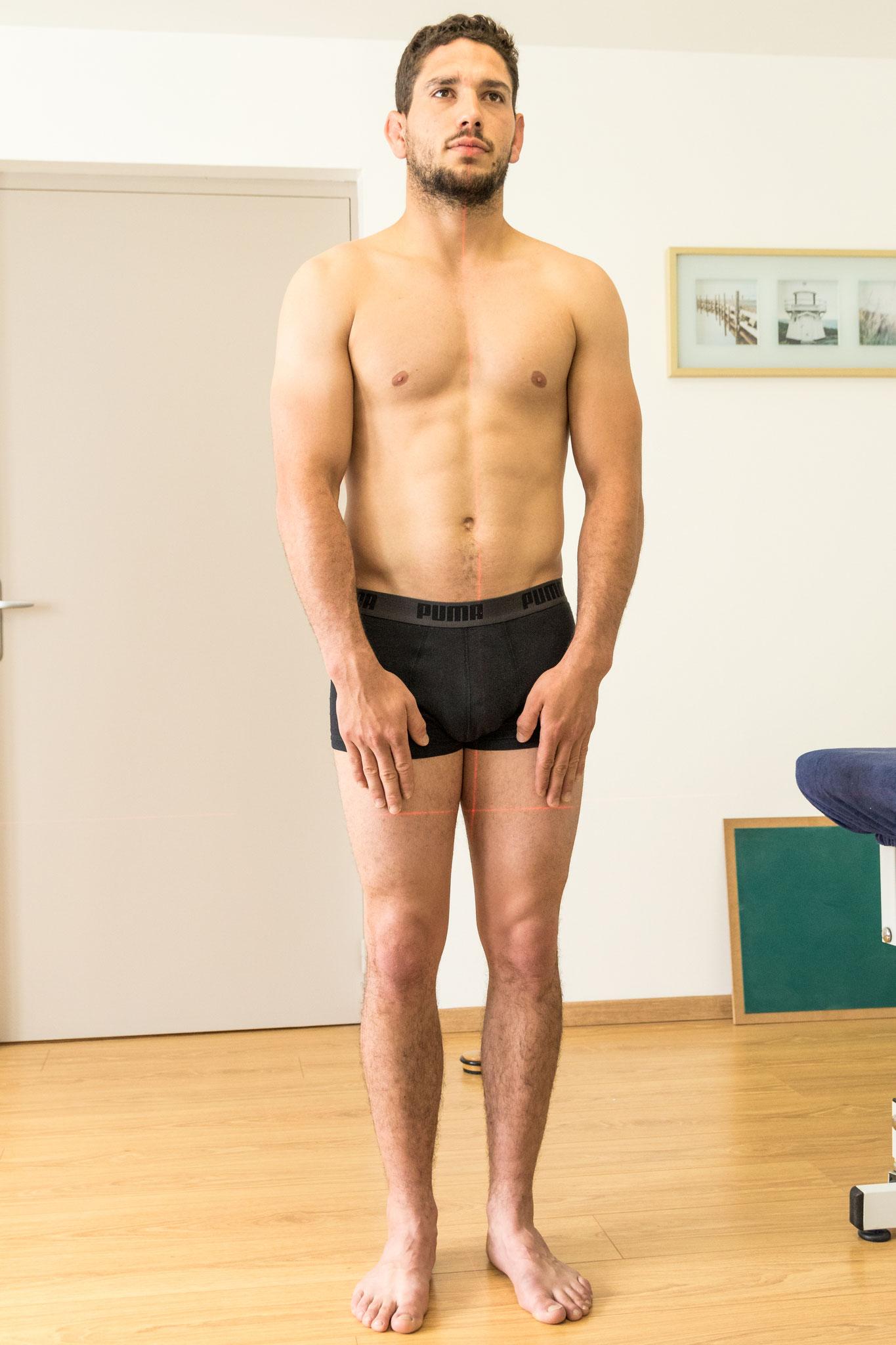 test posturopathique de hauteur des mains debout