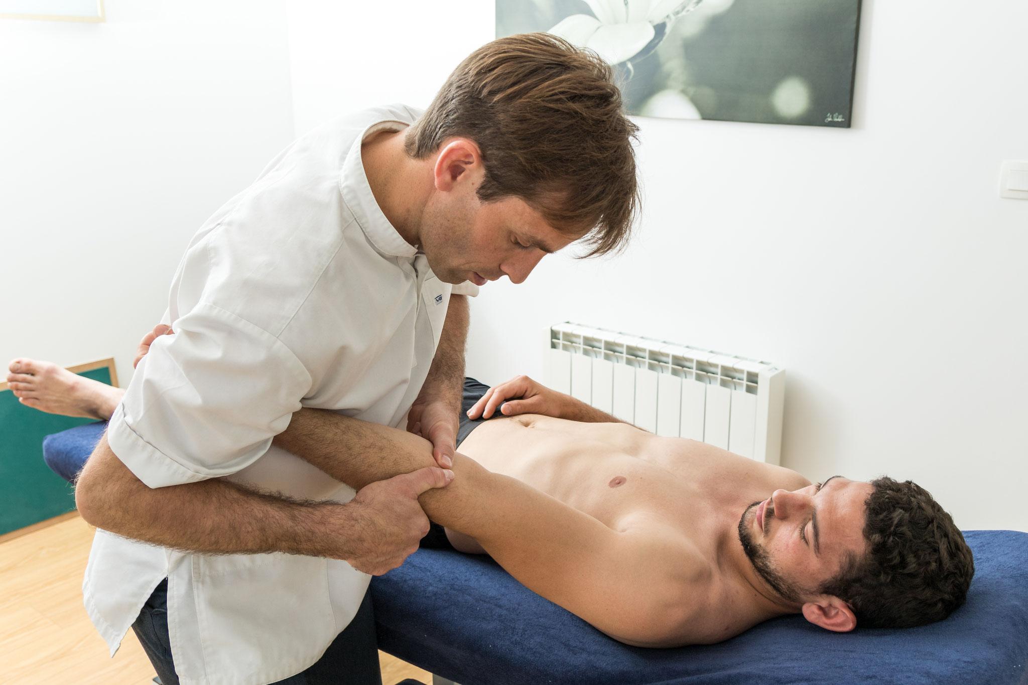 technique de libération articulaire posturopathique du coude