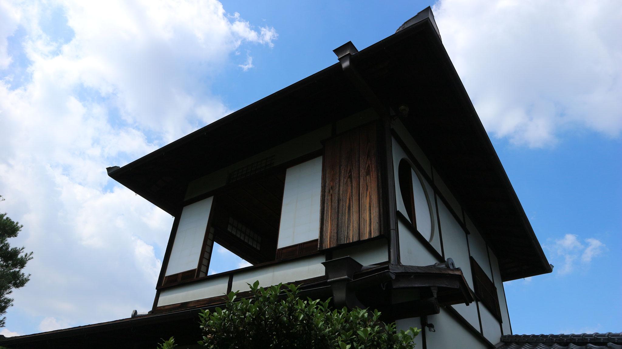 二階建て茶室の蘆菴(ろあん)