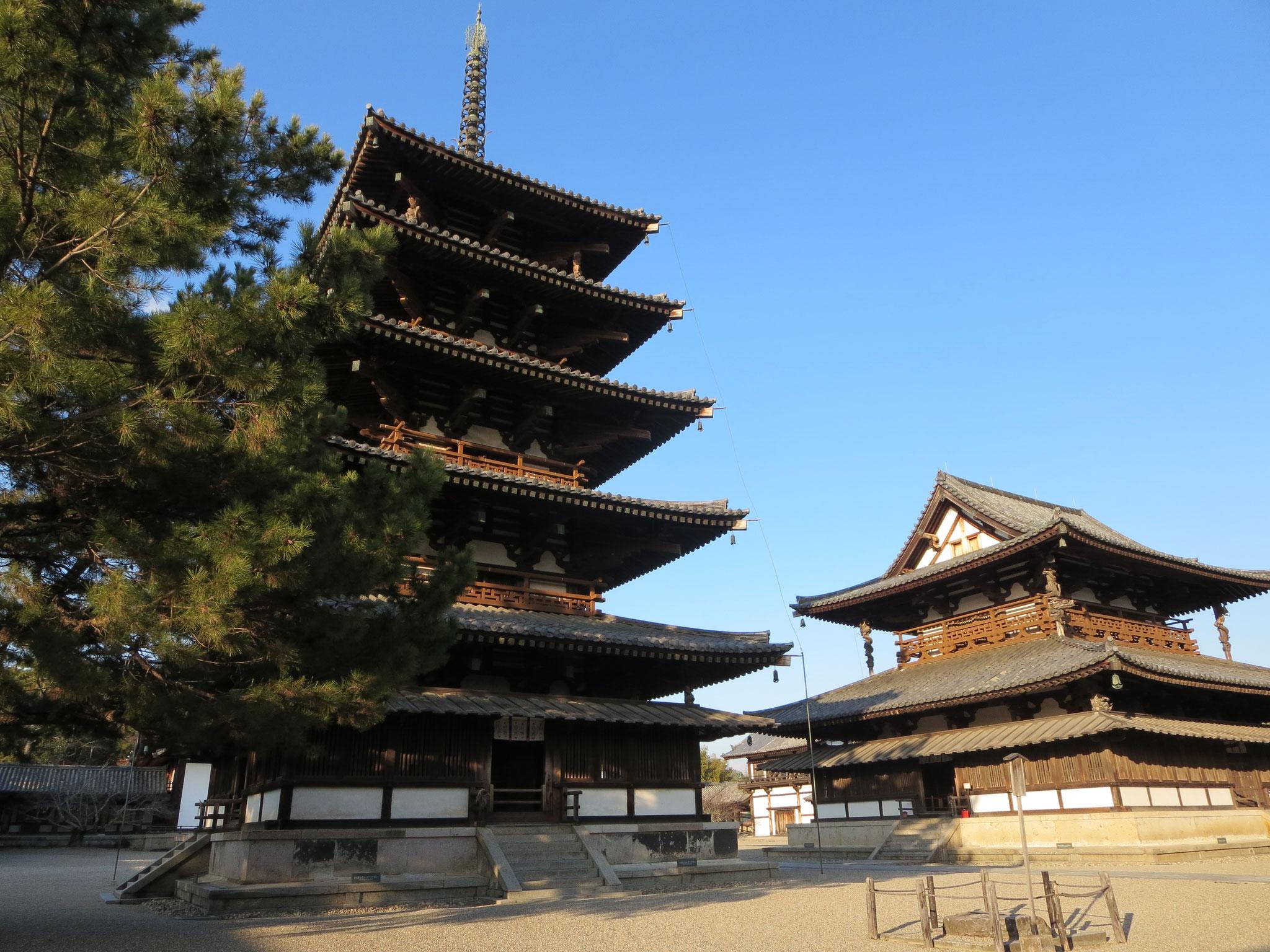 五重塔と金堂