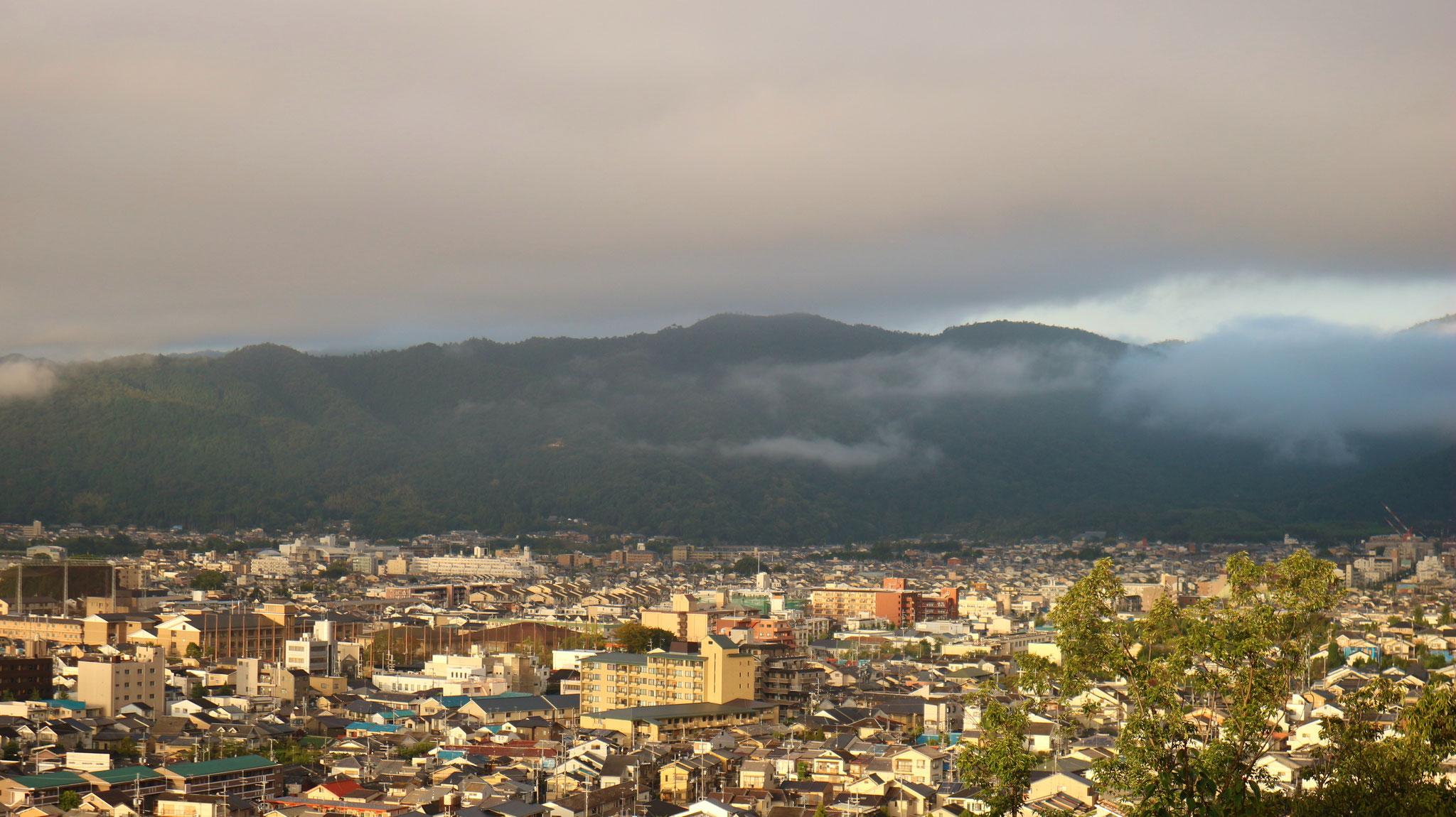 一ノ丘からの西、嵐山