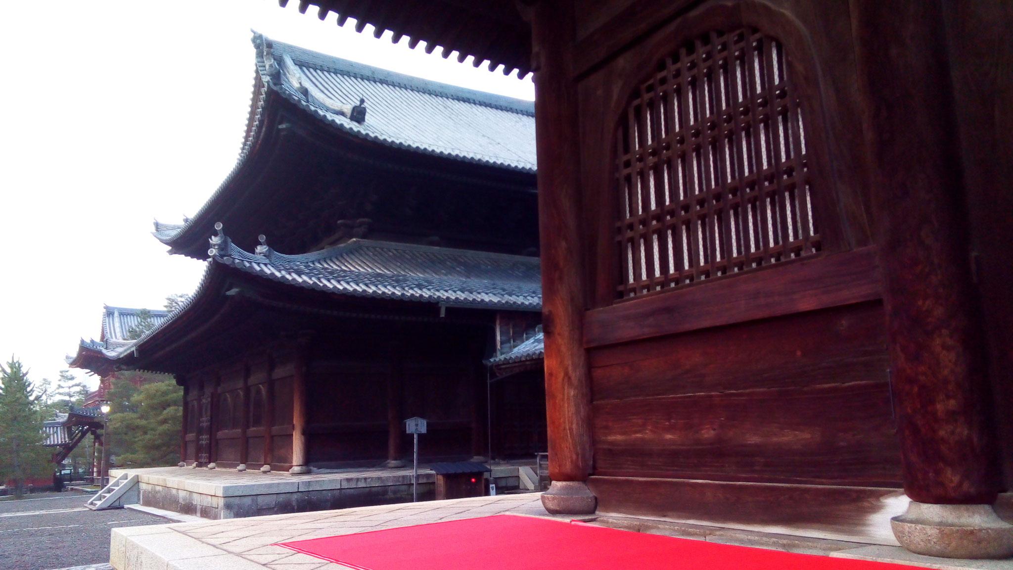 法堂・仏殿・三門の伽藍