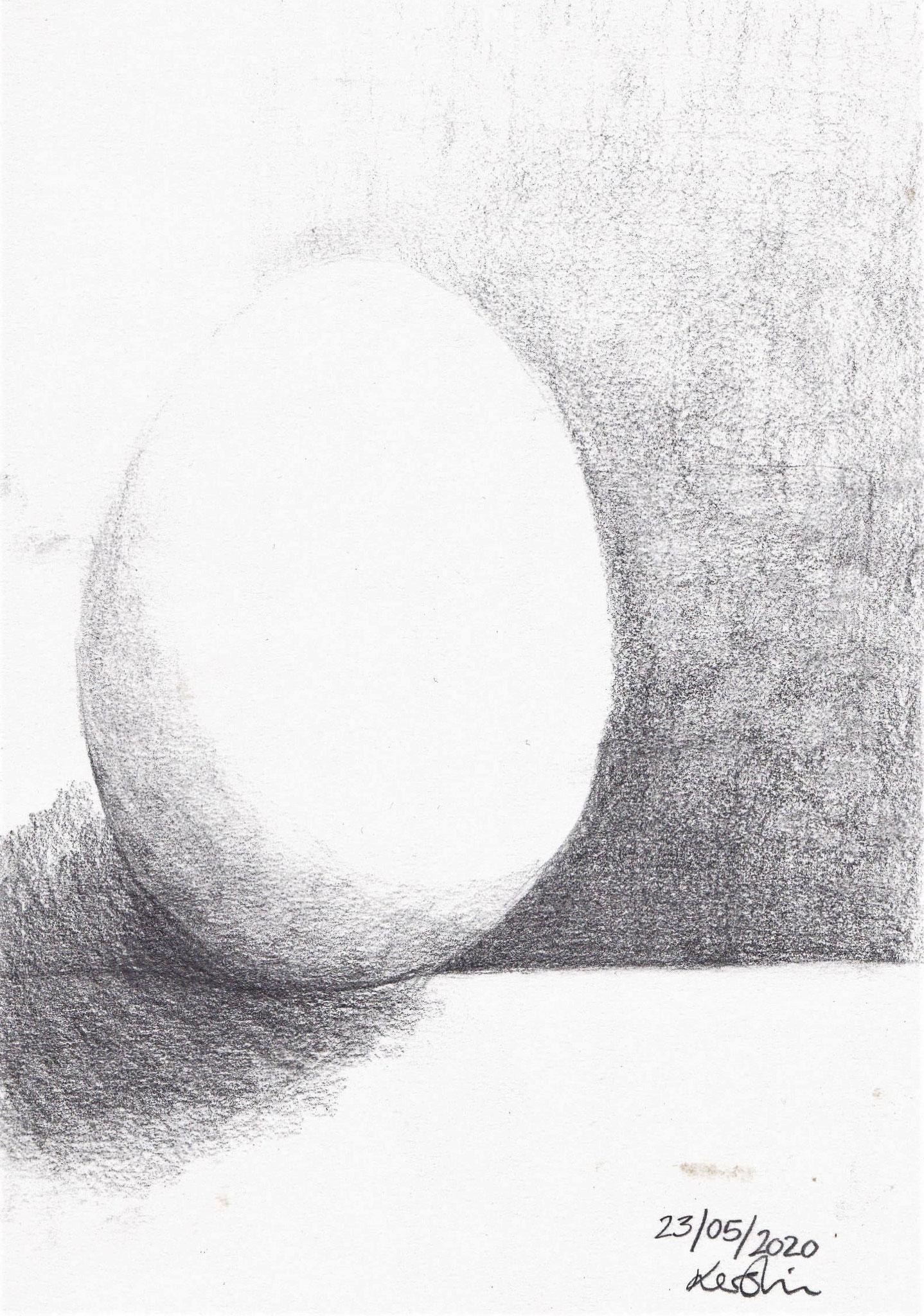 Kerstin Hoffmann / Weißes Ei auf weißem Grund