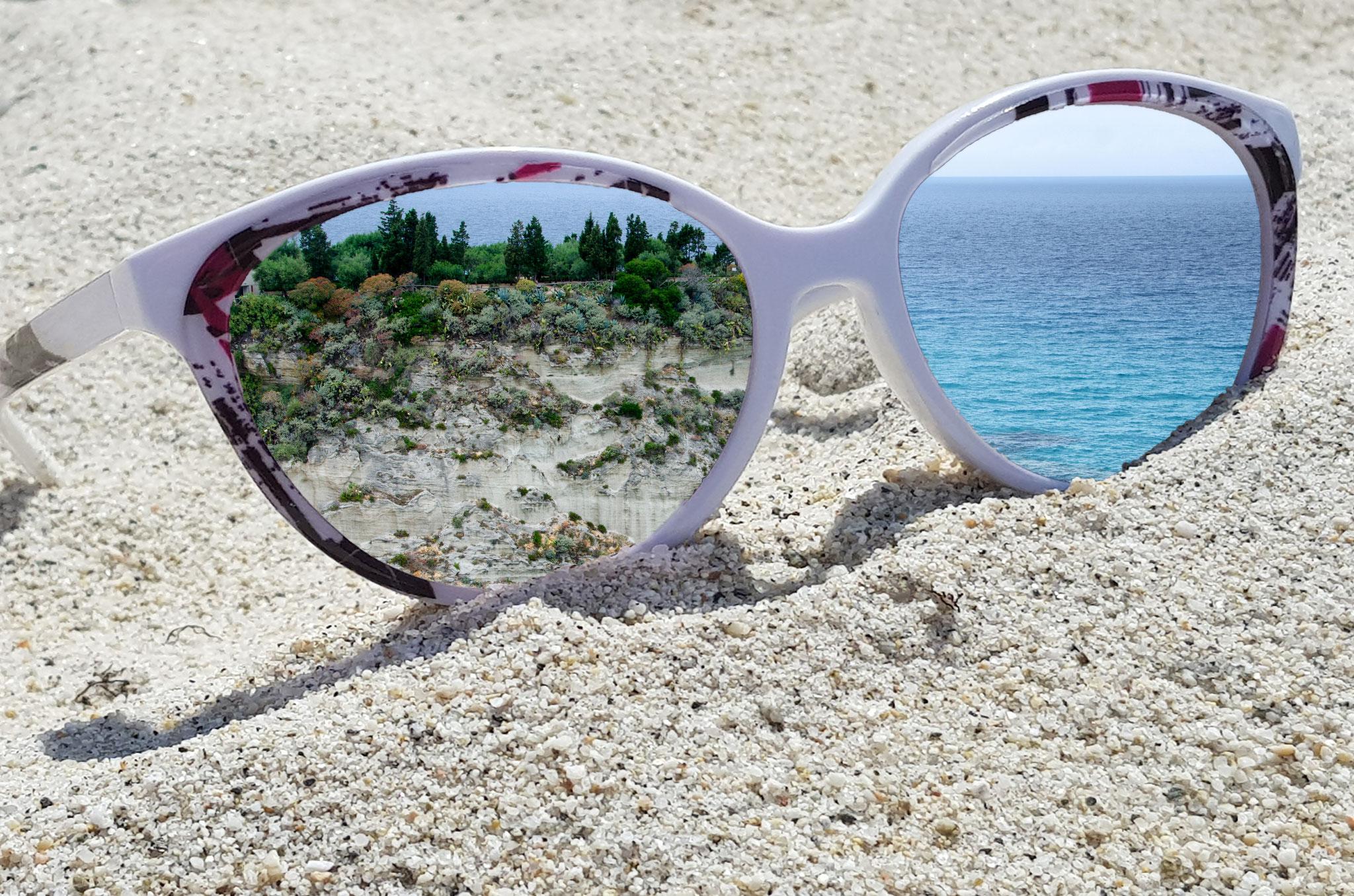 Leinwandbild Brille Insel